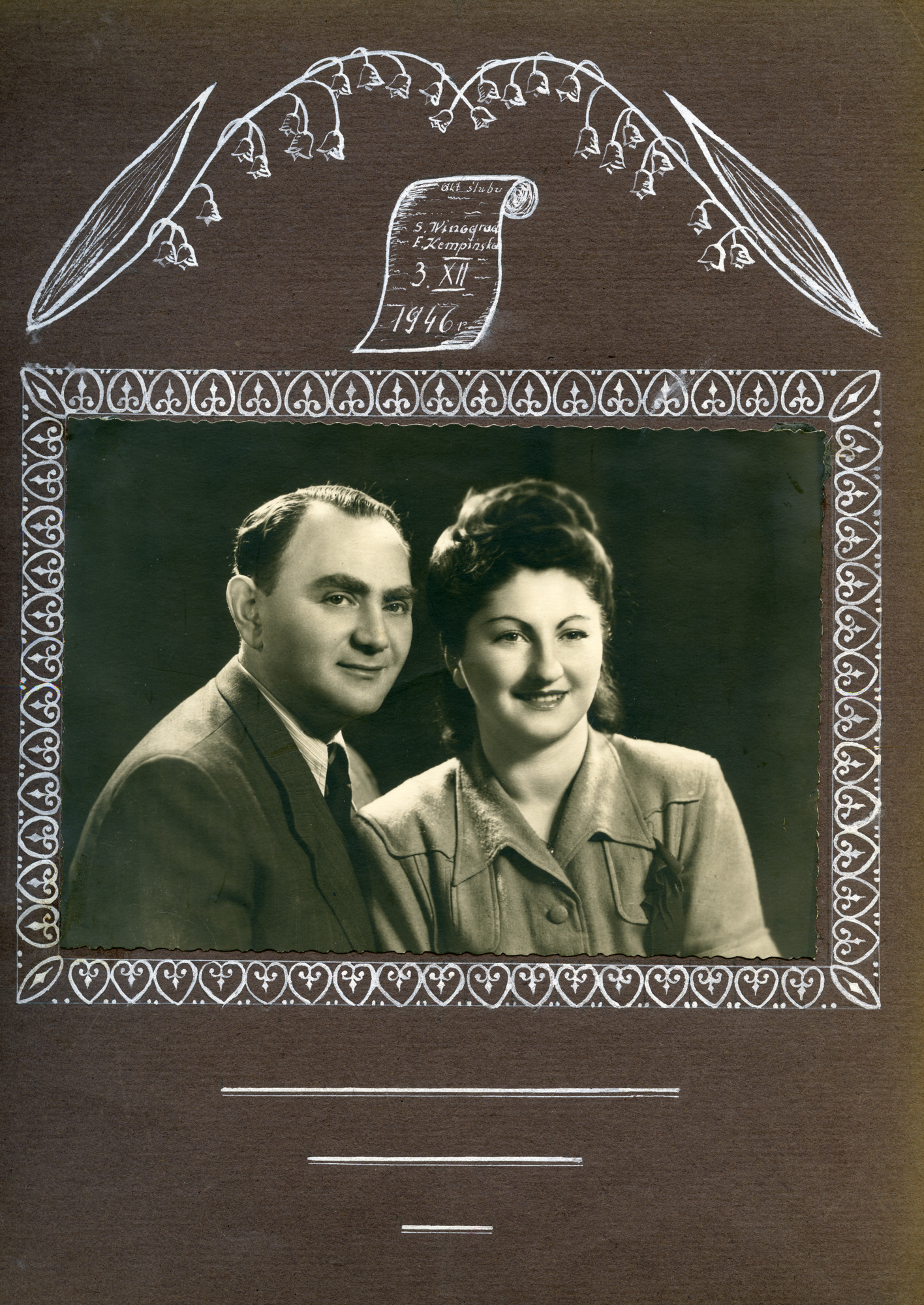 Photo album page with a studio portrait of Franka (nee Kempinski) and Sewek Winograd after the war