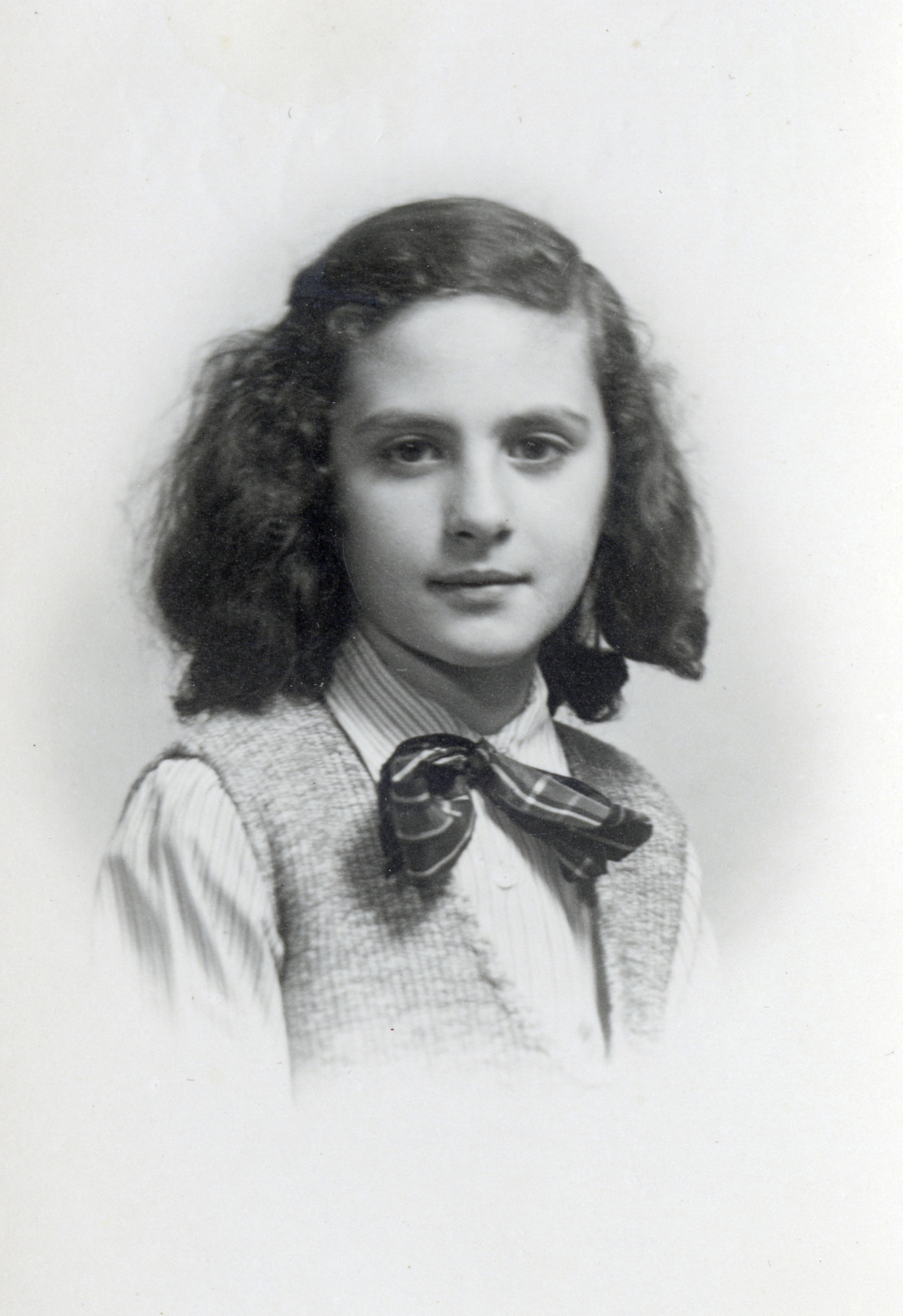 Studio portrait of Emma Di Capua.
