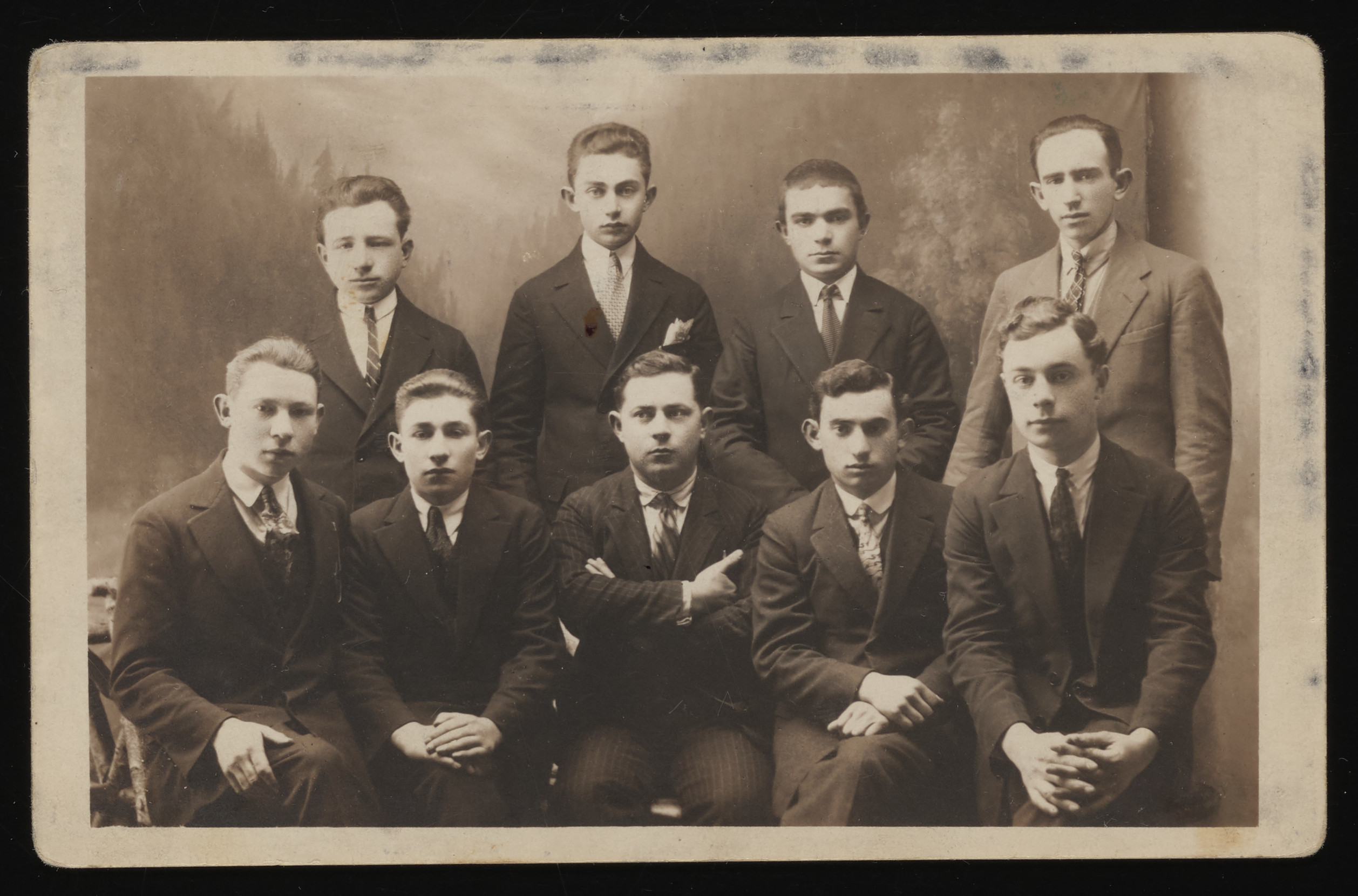 Group portrait of members of the Hitachdut Zionist youth group in Kolbuszowa.  Sitting from left to right are Moszefeld, Szmuel Trompeter, Koller (the Hebrew teacher), Leibus Aszen and Avrum Bilfeld.  Standing from the left are Moisze Birnbaum, Leibus Warhaft, Moisze Tencer and Ortzman.