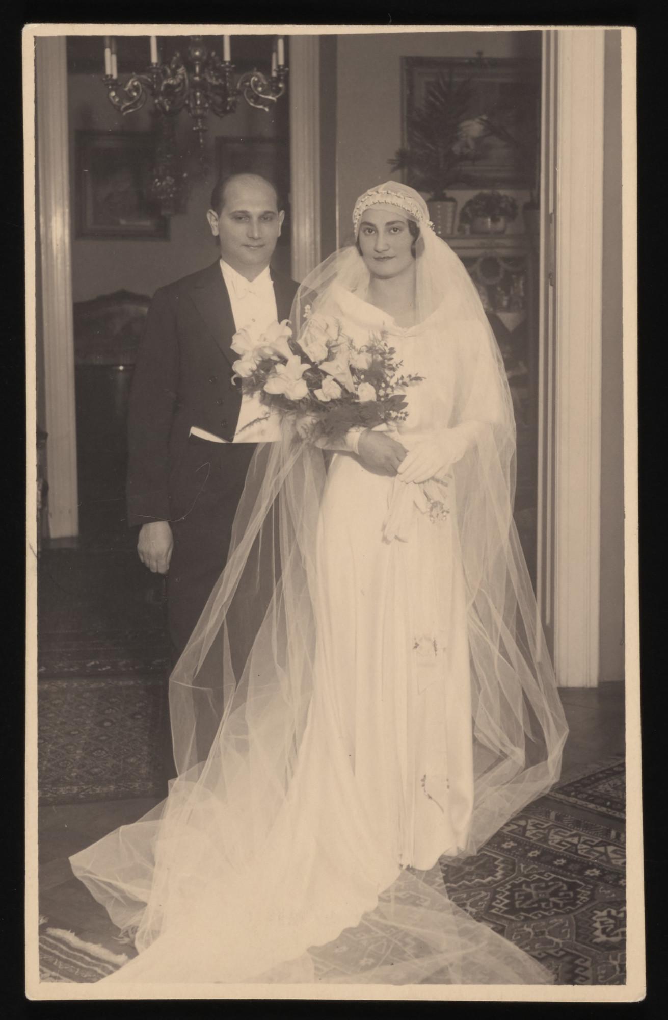 Wedding portrait of Elek Brust and Livia Schwarcz.