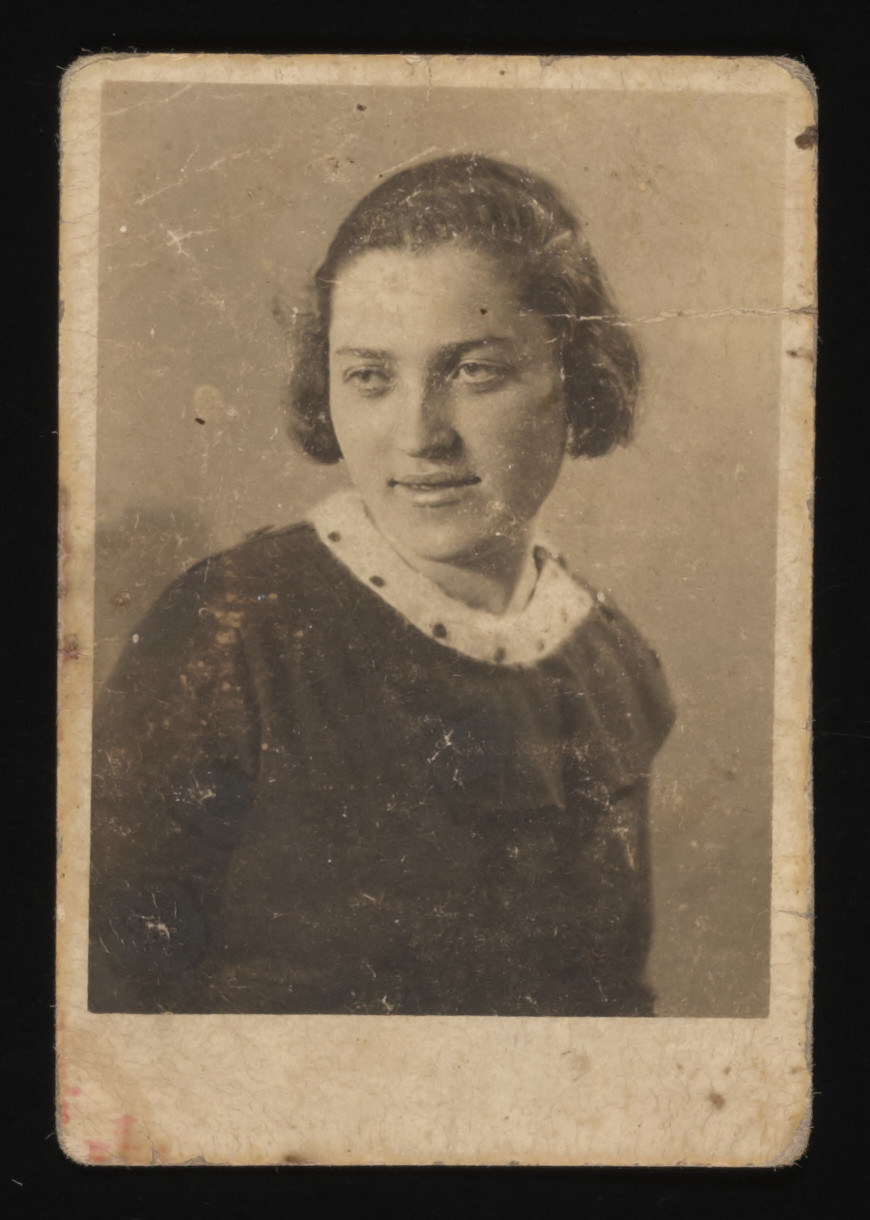 Studio portrait of Rywka Gruber (aunt of the donor).  She was killed shortly after the German invasion of Eastern Poland in 1941.