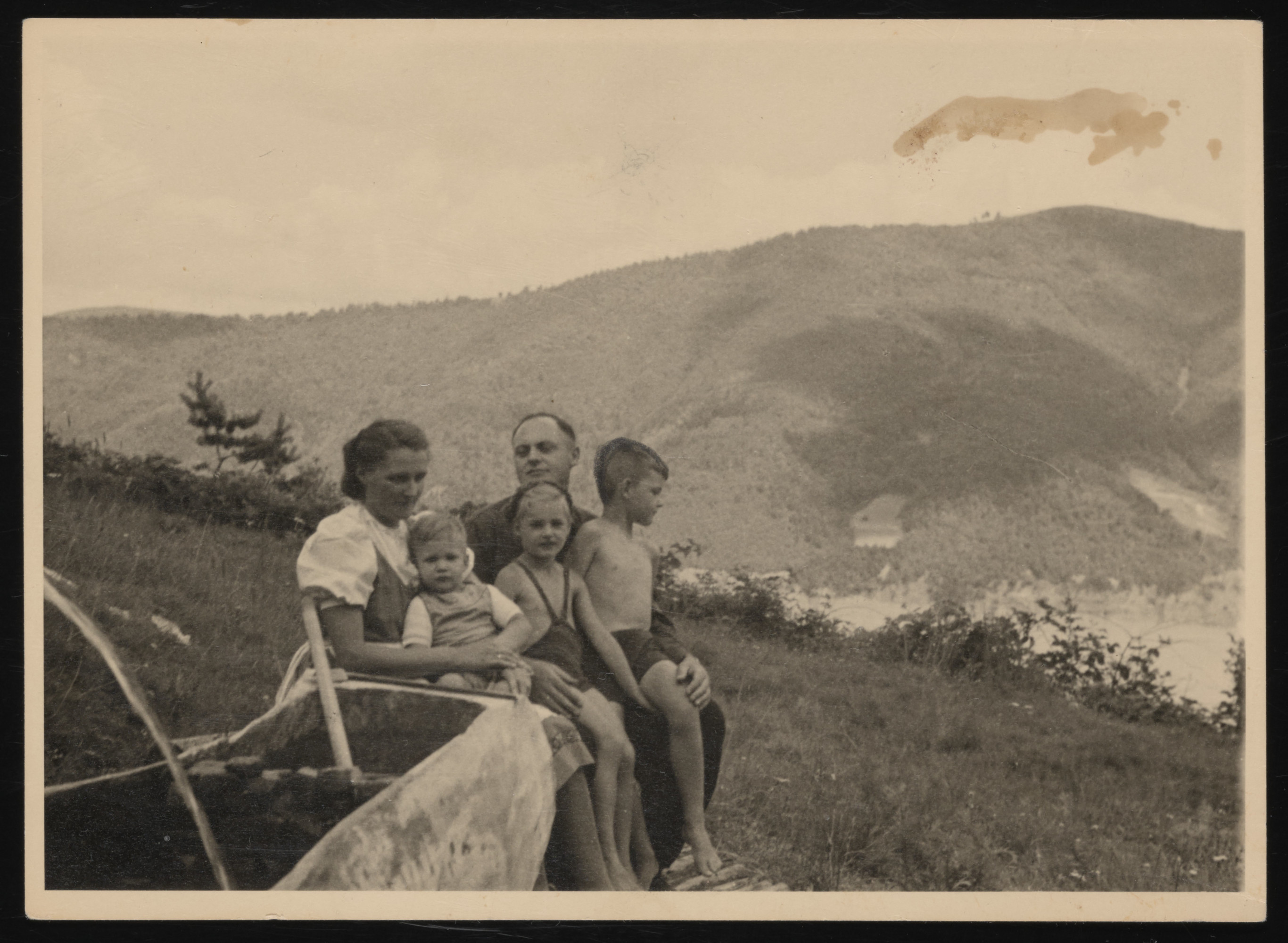 The Wirths family relaxes in Solahutte.