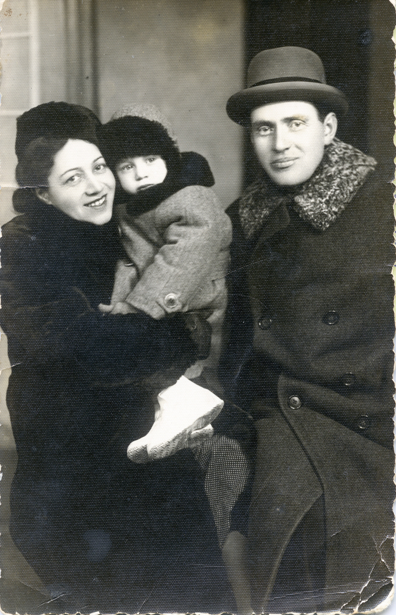 Portrait of Jewish Lithuanian family.  Pictured are Basia (nee Kopelanski) with her husband Feivel Freiman, and their their daughter Ilinka.  All perished in the Holocaust.