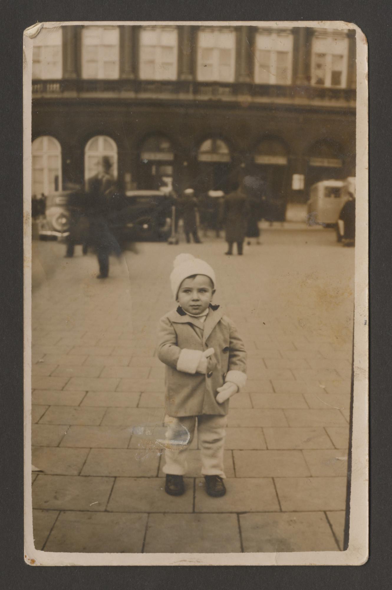 Street portrait of a Belgian Jewish toddler.    Pictured is Charles Srebnik.