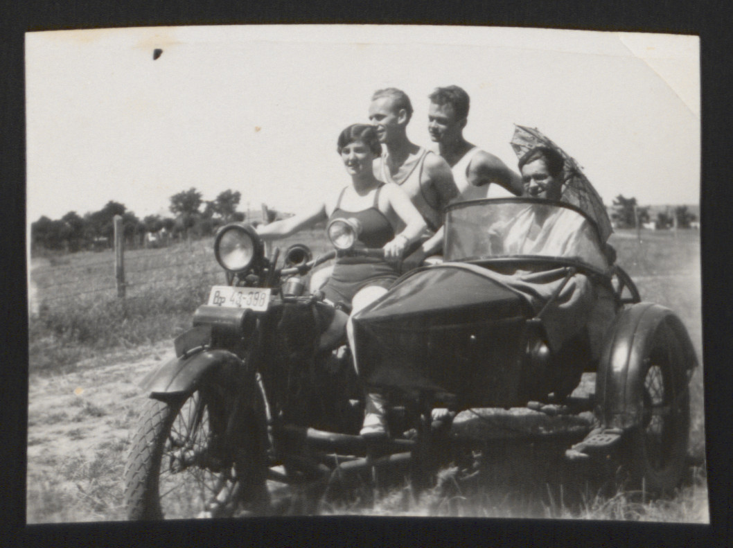 Lilly Roth goes for an automobile excursion with her friends.