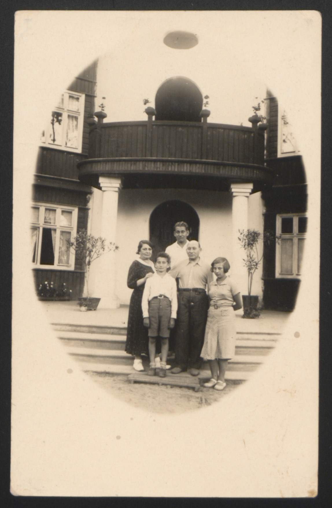 Group portrait of the Holcman family taken during their vacation and sent to the donor's brother, Kazimierz, in Uruguay.    From left: Sara, Jechezkiel, Wladyslaw, the donor, Mojzesz, and Hanka Holcman.