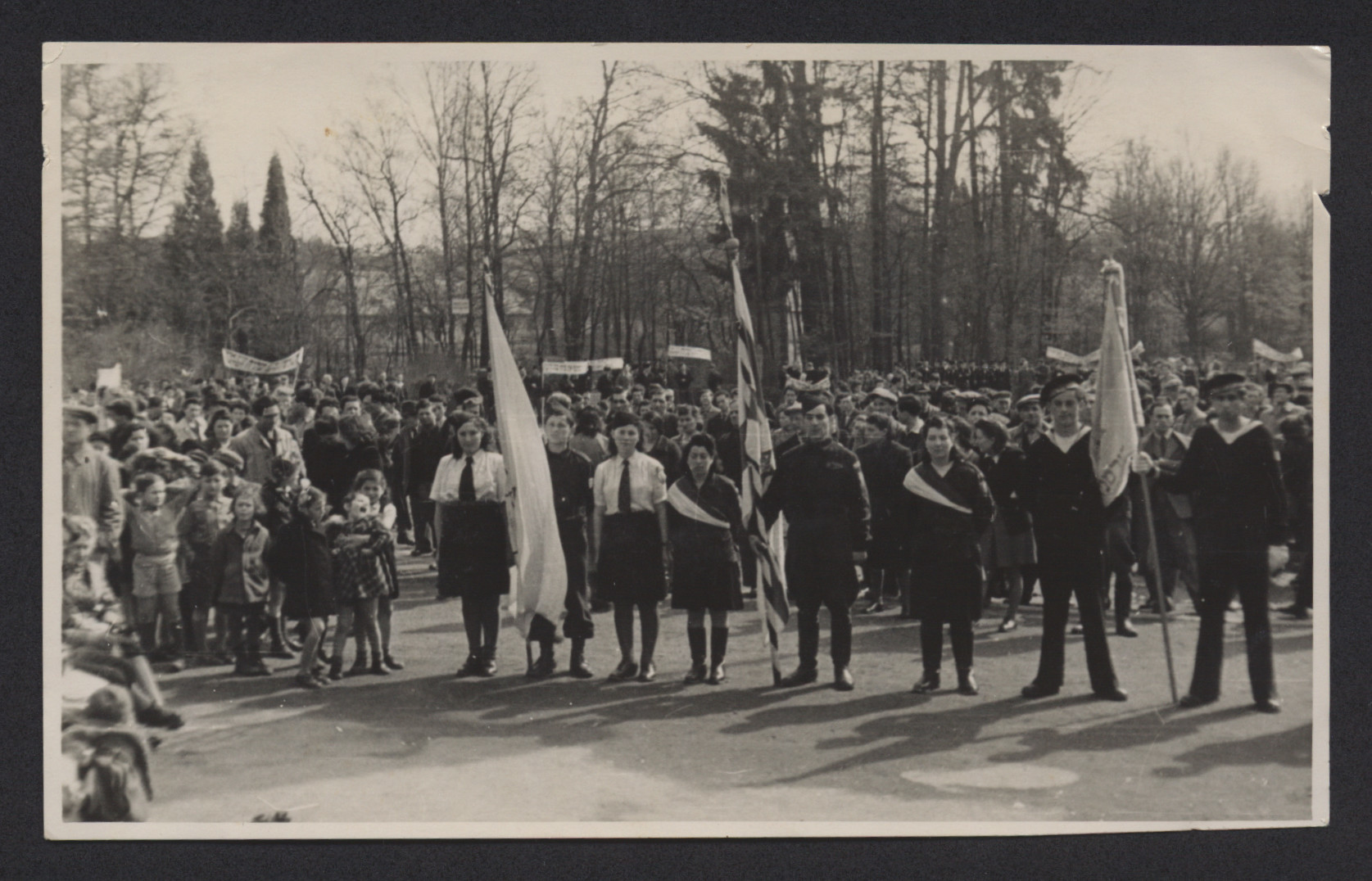 Members of the Betar Zionist youth movement hold a demonstration in the Deggendorf displaced persons camp.  Among those pictured is Lenke Gruenberg.
