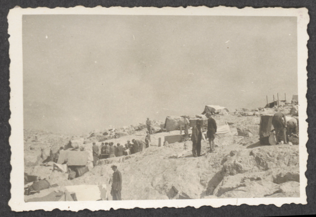 View of Jewish refugees and their makeshift tents on the island of Kamilonissi, after the shipwreck of the Pentcho.