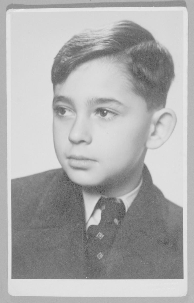 Portrait of Roman Frister as a boy.