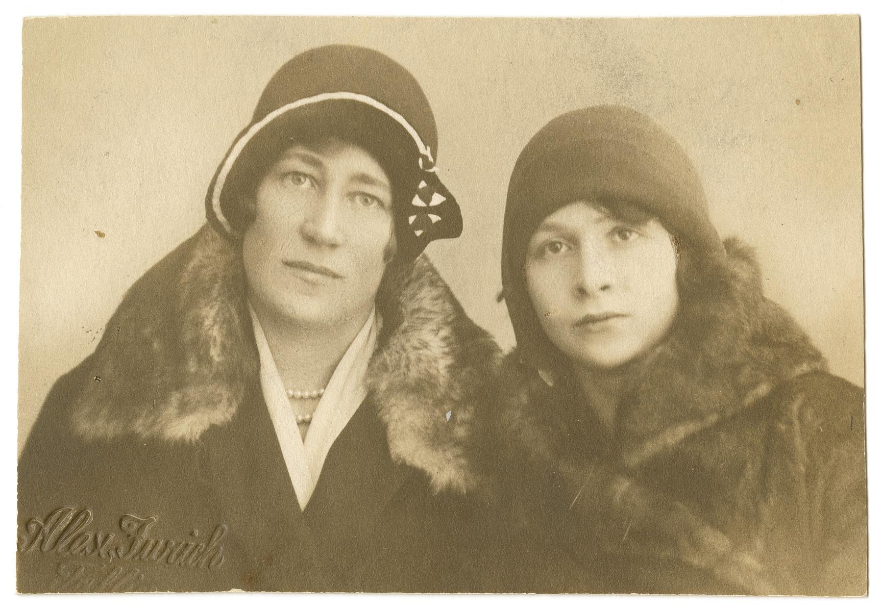 Portrait of Deborah-Miriam Dobrysh and an unknown person.