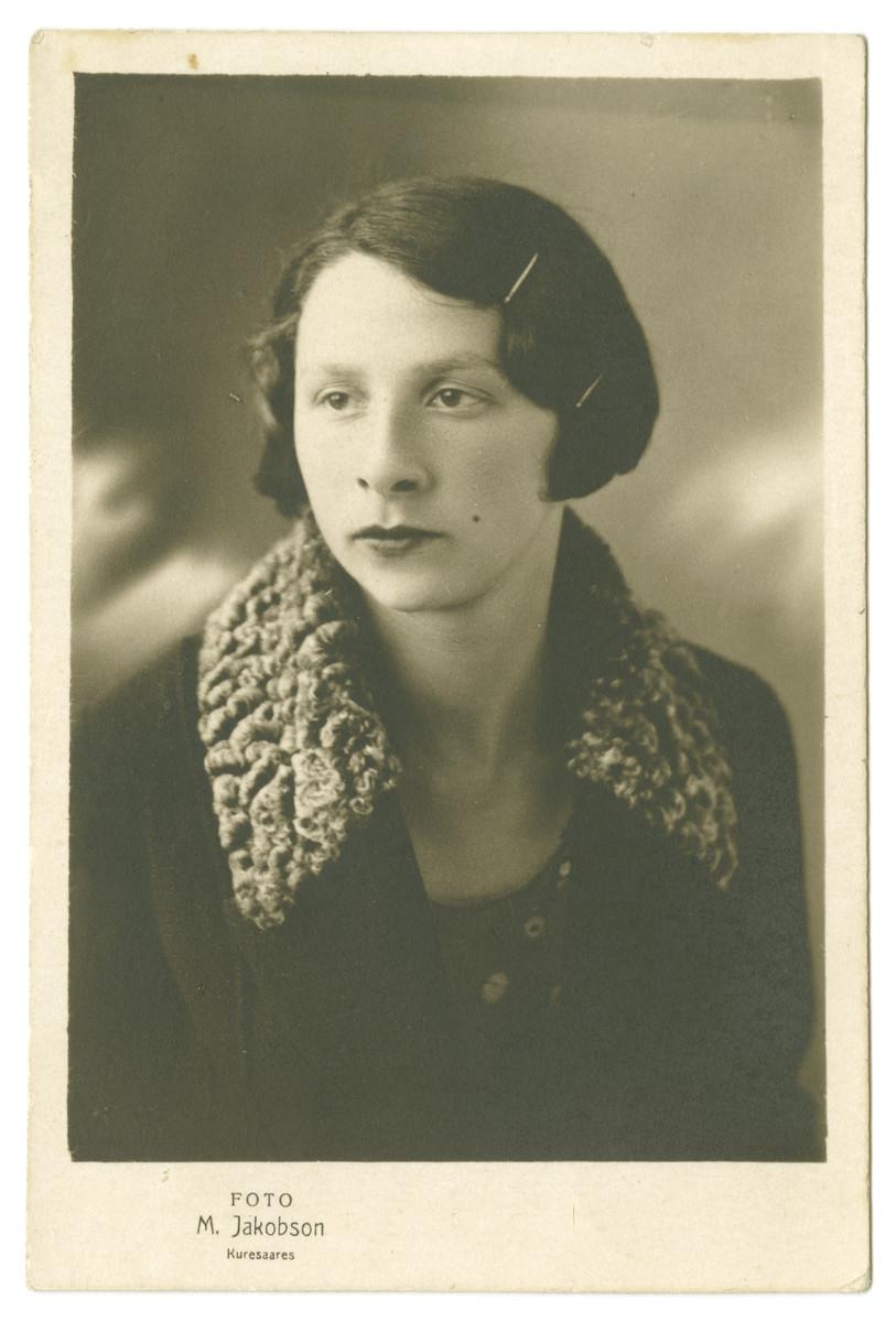 Studio portrait of Deborah-Miriam Dobrysh.