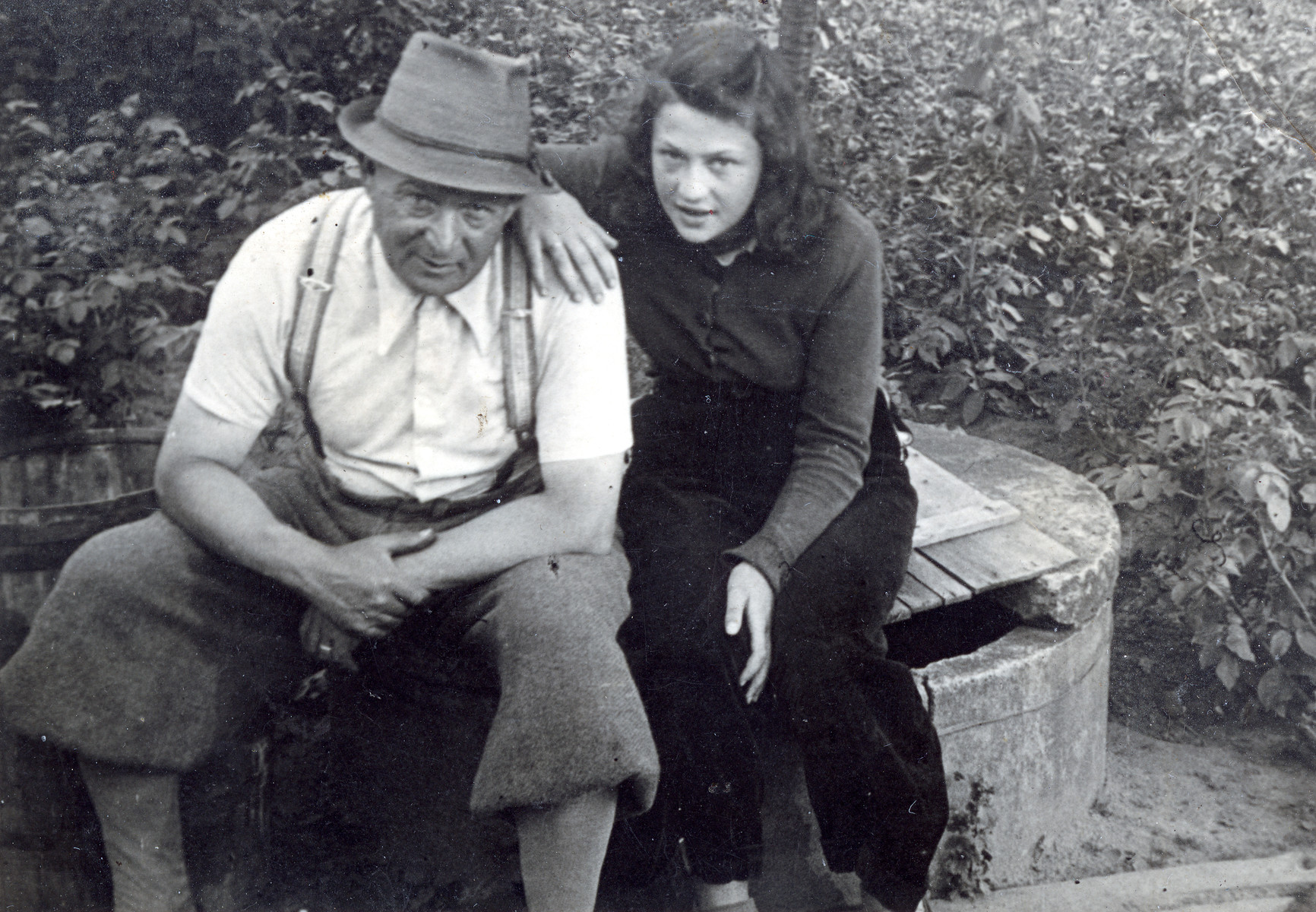 Hana Lustig poses with her father, Karel Lustig right before they were sent to Theresienstadt.