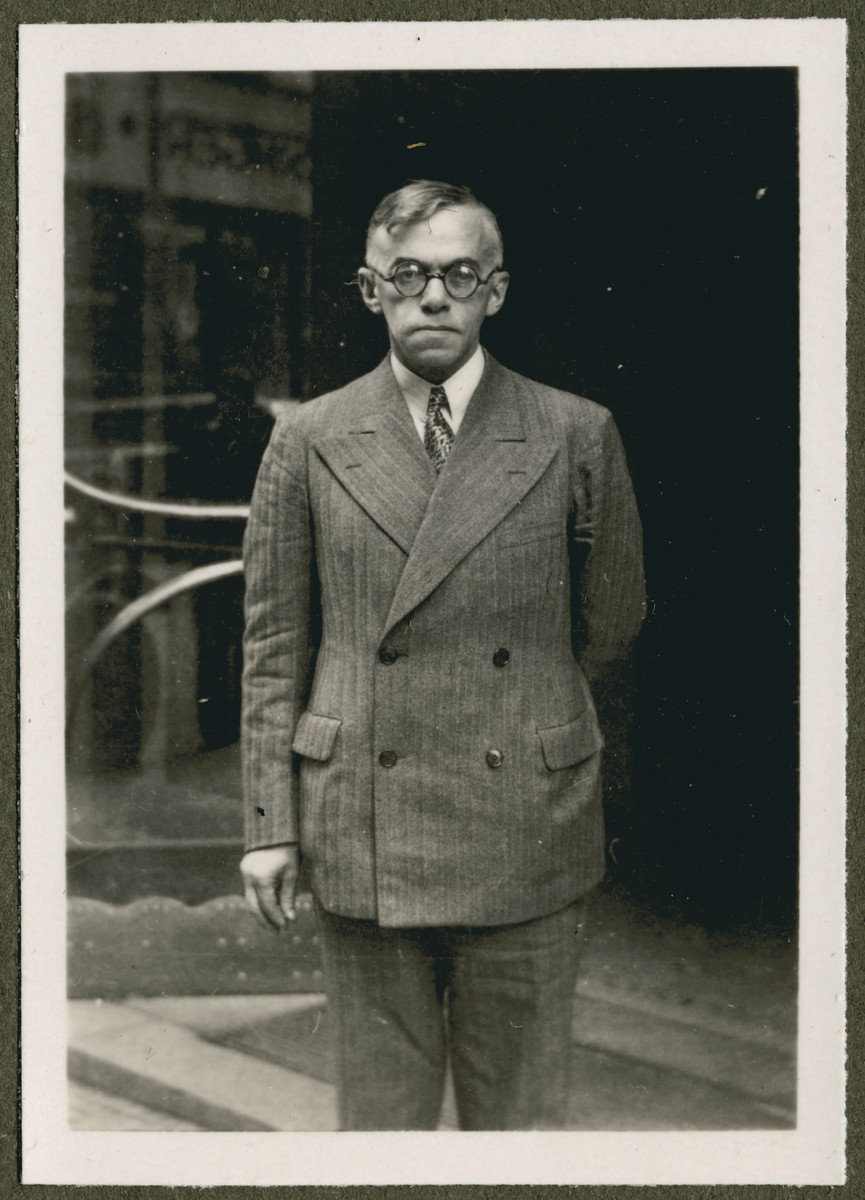 Close-up portrait of Zeev (Vladimir) Jabotinsky, leader of the Revisionist Zionists.