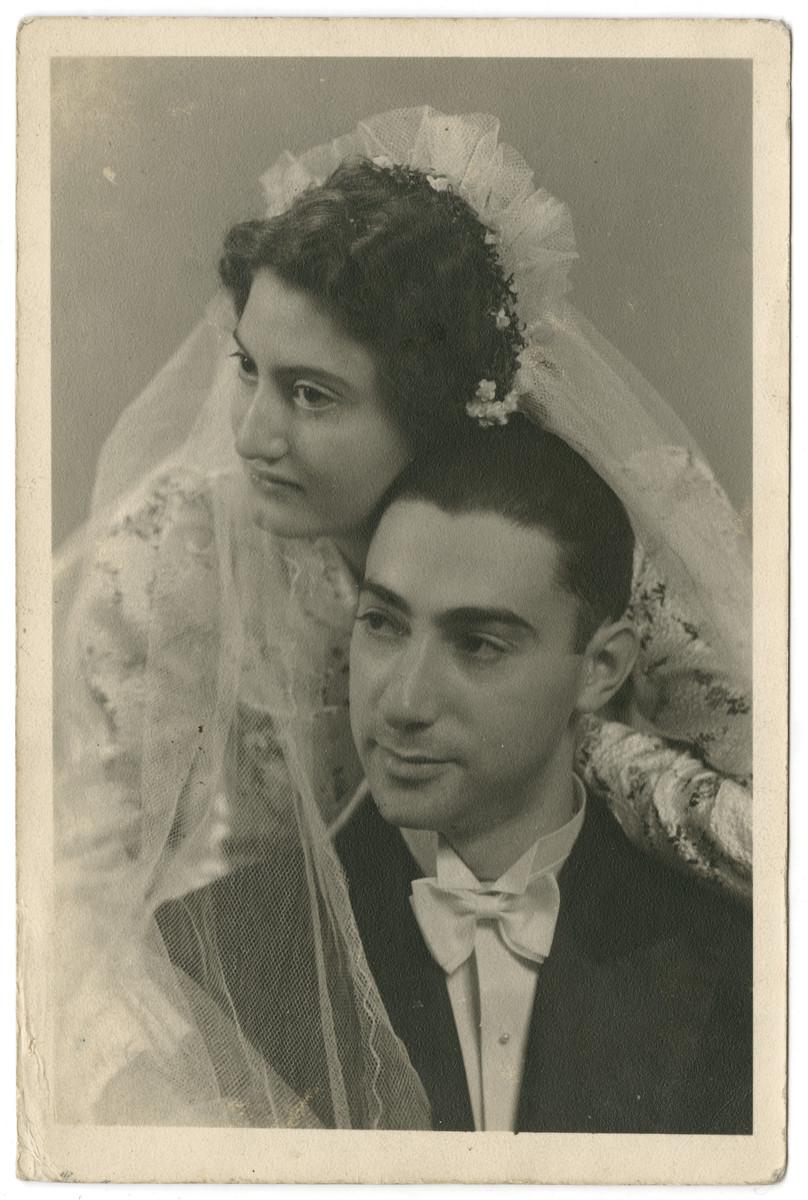 Studio wedding portrait of Annemarie and Egon Werner Israelski.