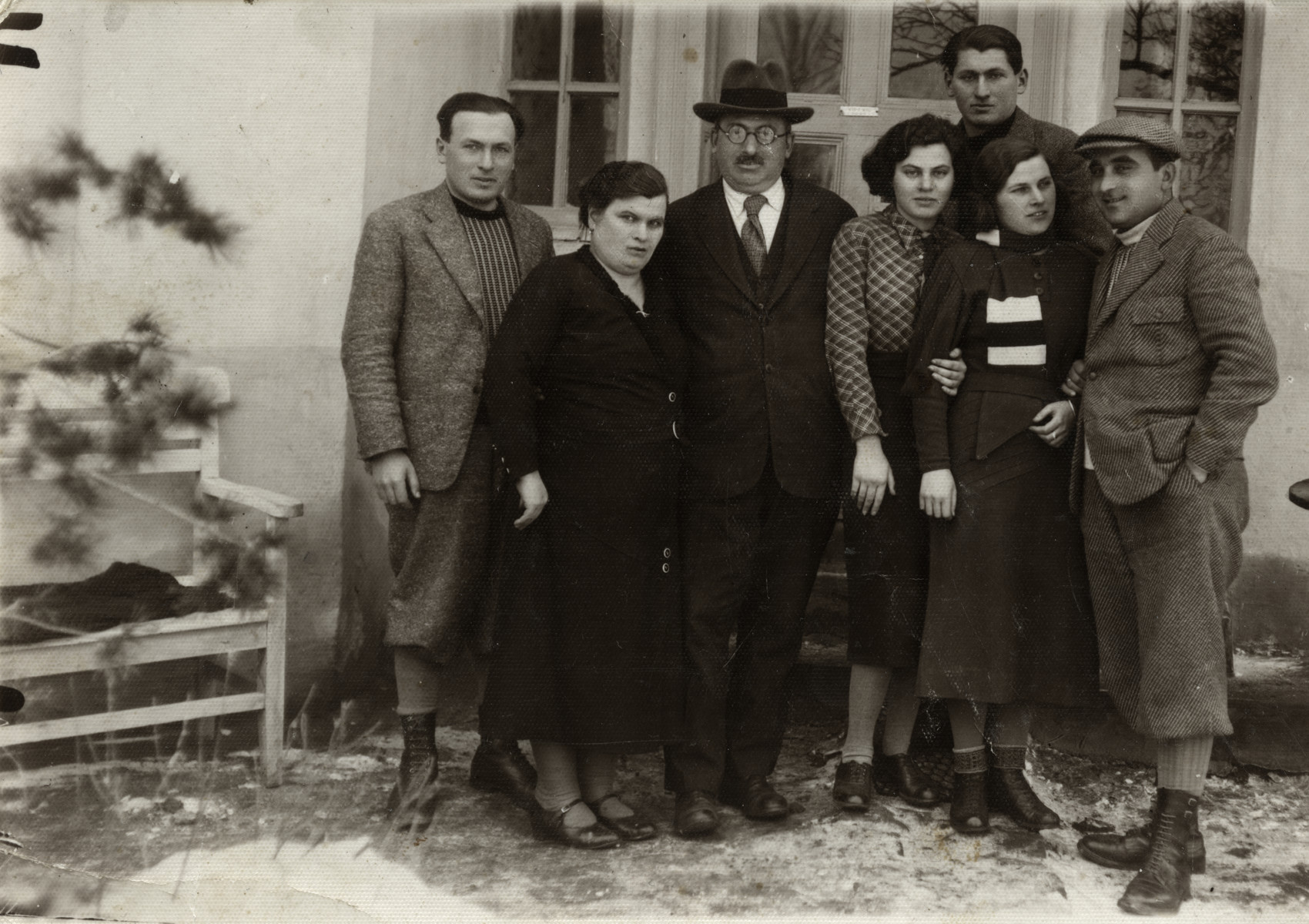 The  Weisz family poses outside its home in prewar Hungary.  Pictured from right to left: Lajos, Edith, Dzusi, Lili, Moshe, and Freida.