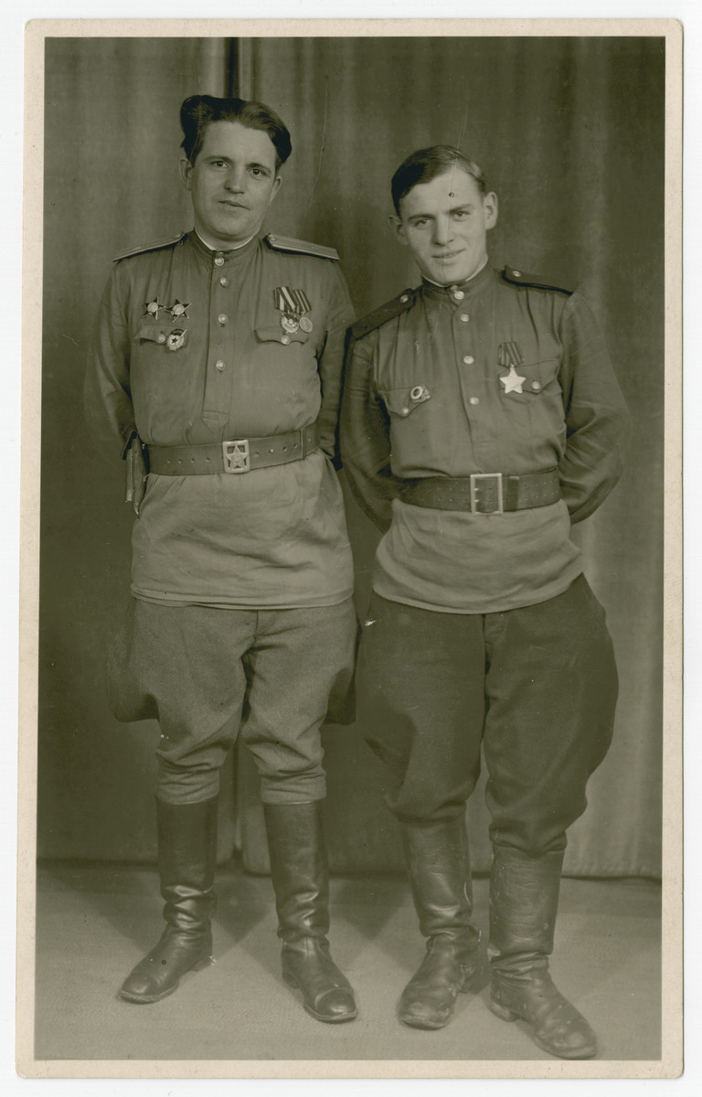 Portrait of Soviet Jewish partisans Kola, and Pinkus Edelsberg.