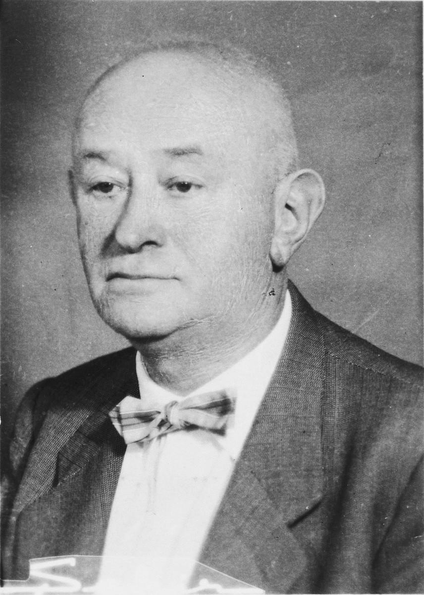 Portrait of Jewish rescuer Simon Brod.