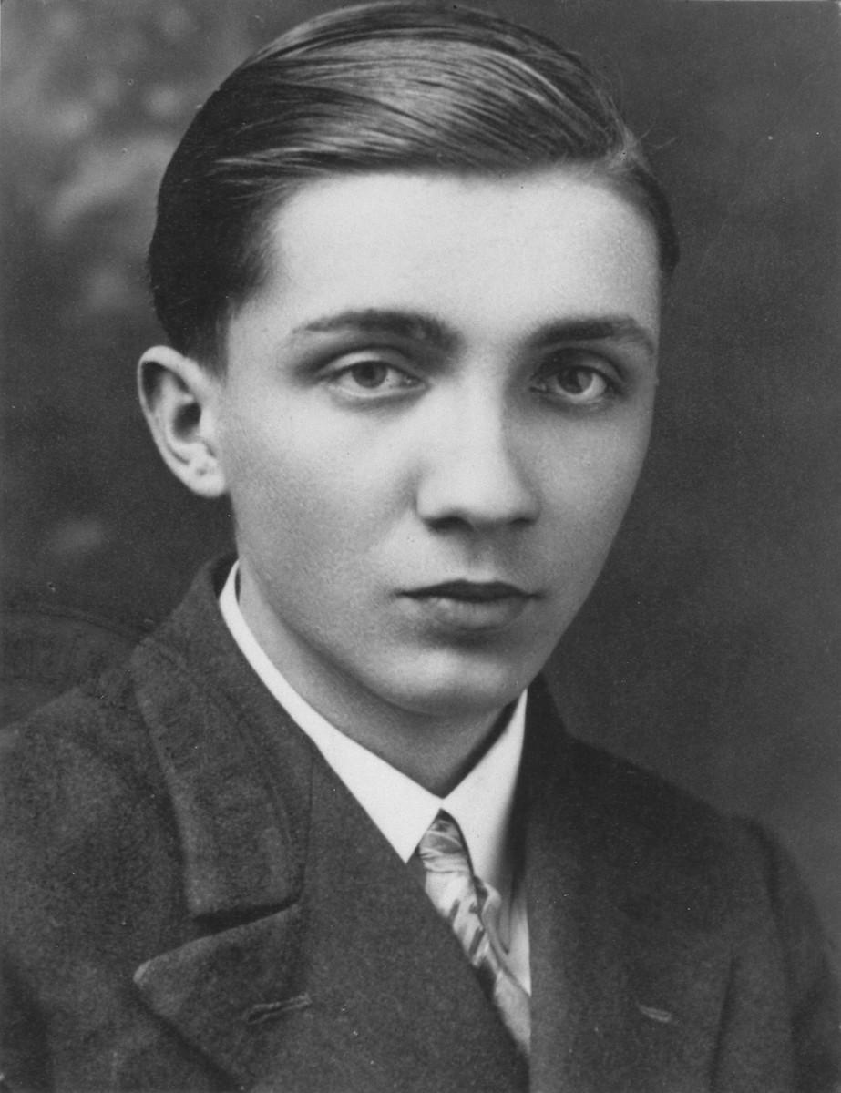 Portrait of Aleksander Kulisiewicz as a youth.