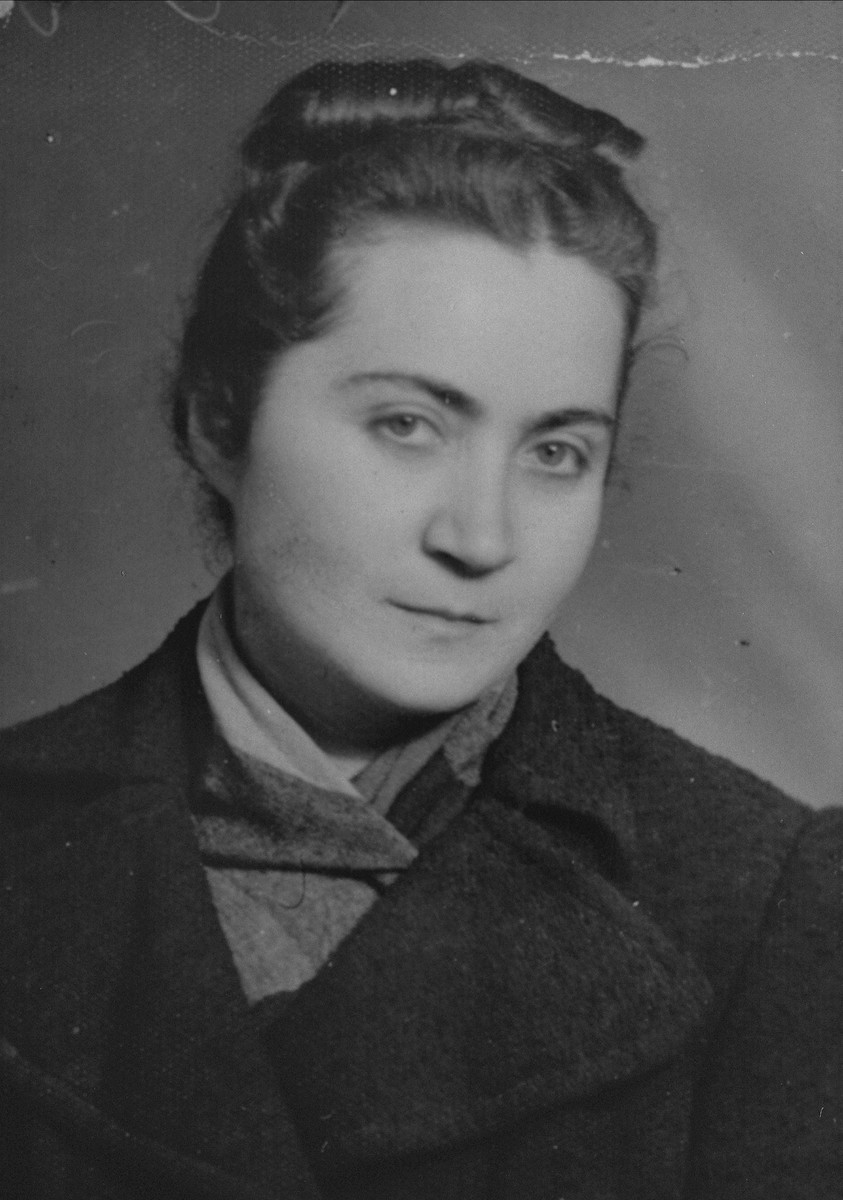 Portrait of Fryda Litwak, a young Jewish woman living in hiding in Poland.