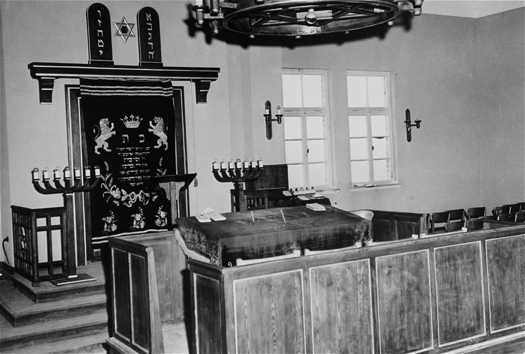 The sanctuary of a synagogue in Hanau, Germany.