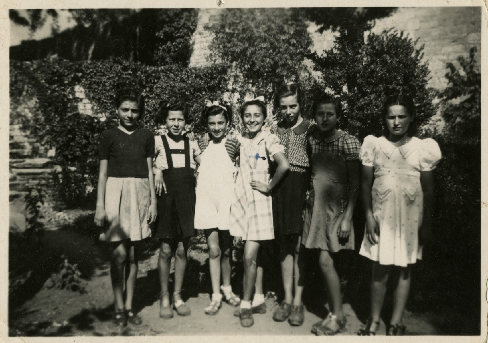 Group portrait of Jewish and Spanish girls in the Villla Saint Christophe in Canet-Plage.