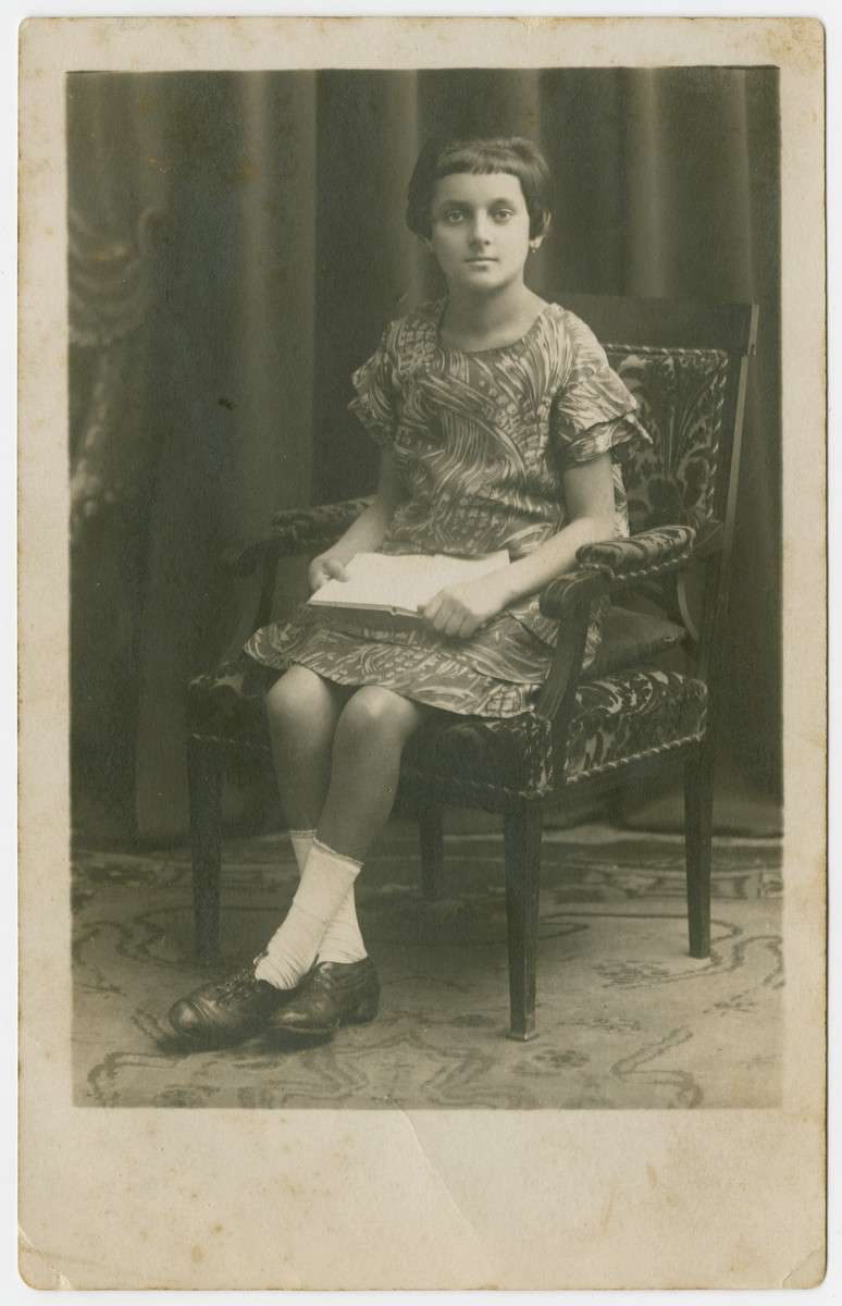 Studio portrait of Roza Appel, the sister of Zelig.  She survived the Holocaust but then was murdered by members of the Polish Armia Krajowa a few days after liberation.