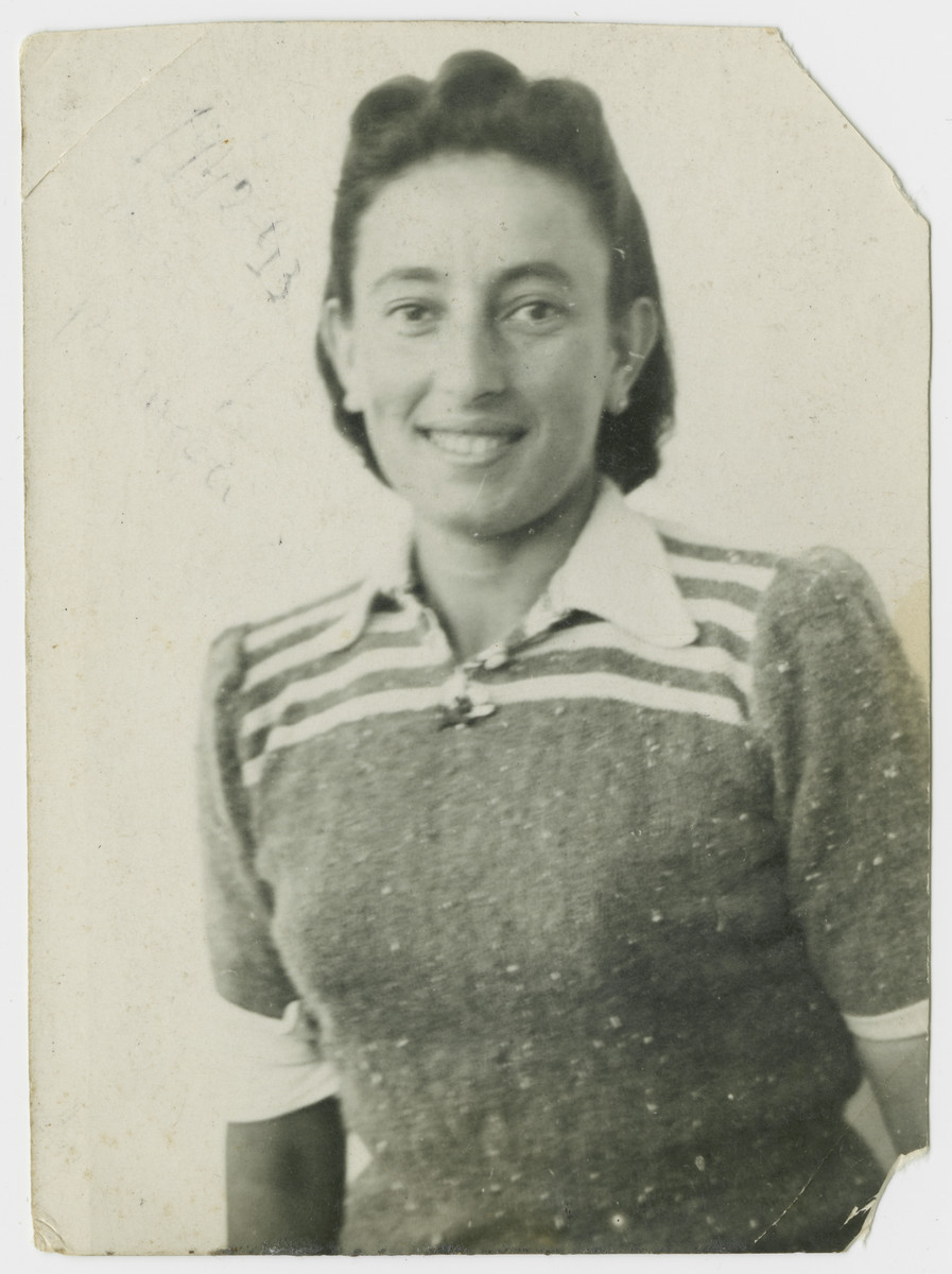 Portait of Berta Appel in the Stary Sacz ghetto.    Soon afterwards, she was deported to Belzec and killed there.
