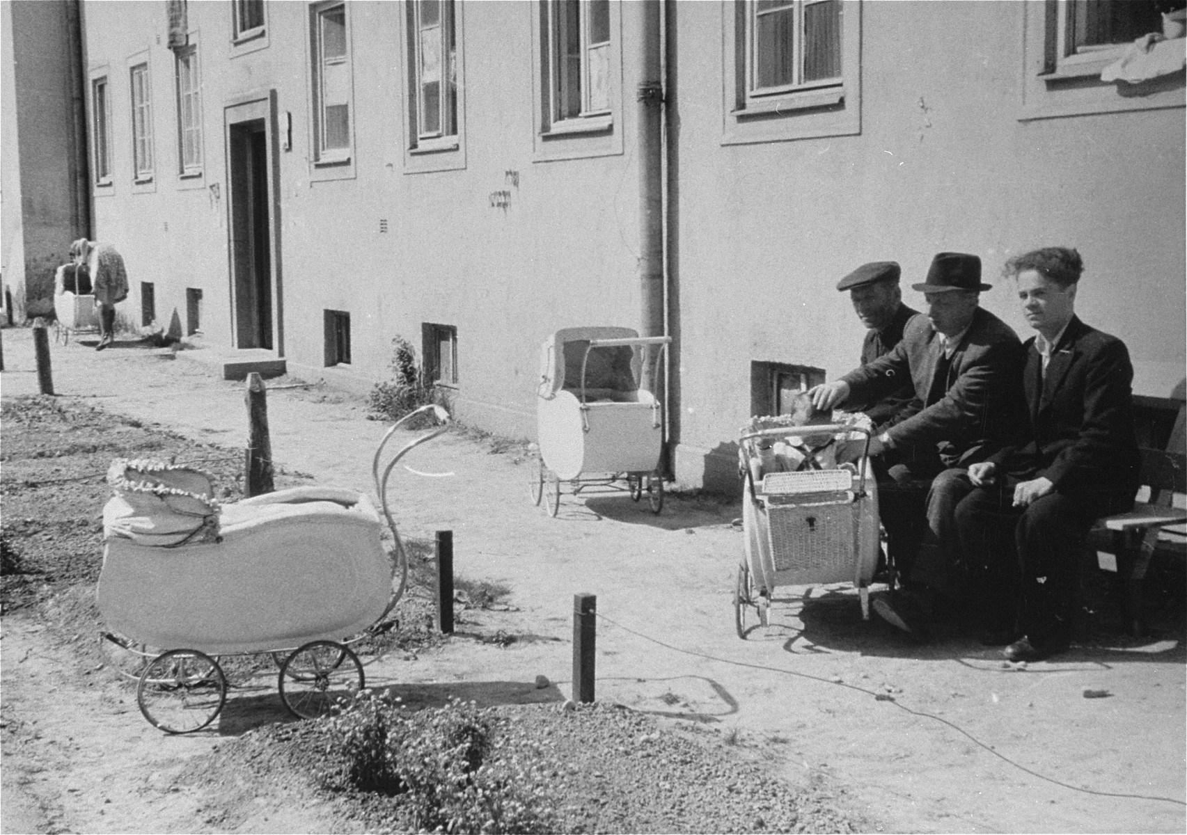 Jewish DPs and baby carriages in the Bindermichl DP camp.