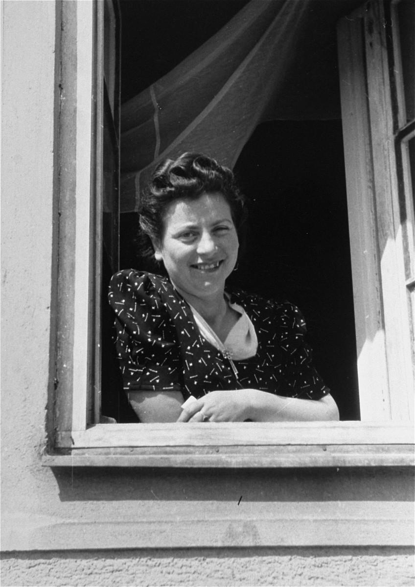 Portrait of a DP woman at Bindermichl DP camp.