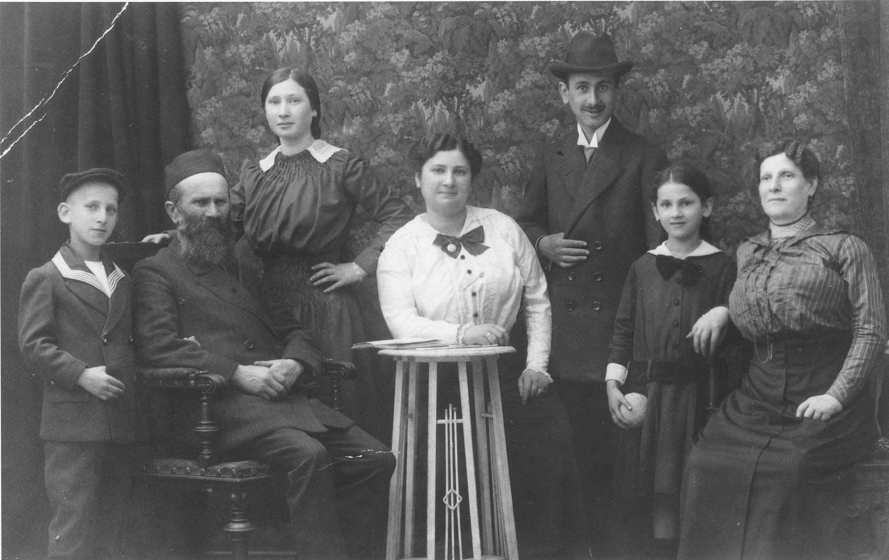 Portrait of Zimmerlinsky family in Nuremberg.  The donor's mother, Rachel Zimmerlinsky, is pictured third from the left.