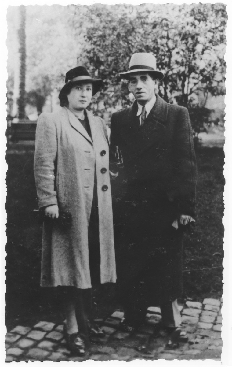 Portrait of German Jewish refugees, Moshe and Rachel Engelhard, in Italy.