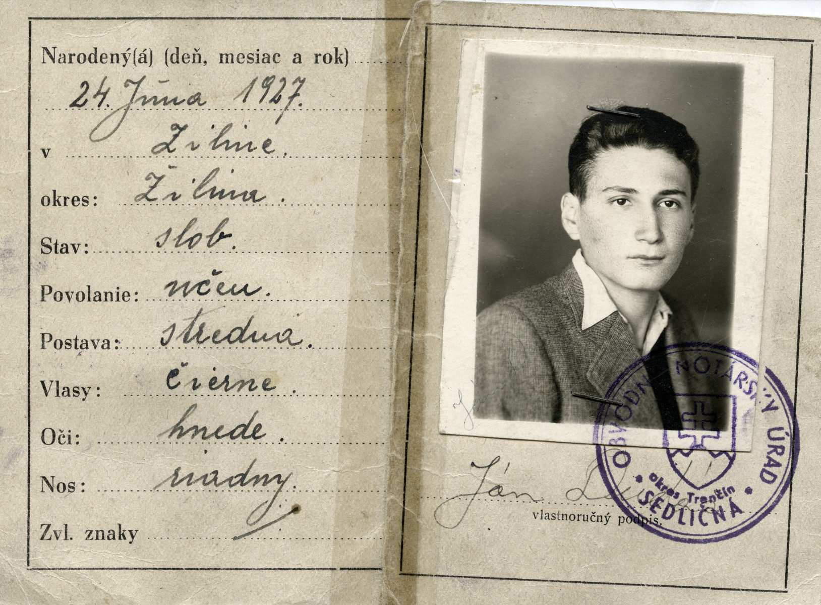 False identification card issued to David Steiner under the name Jan Dudas by the Jewish underground.