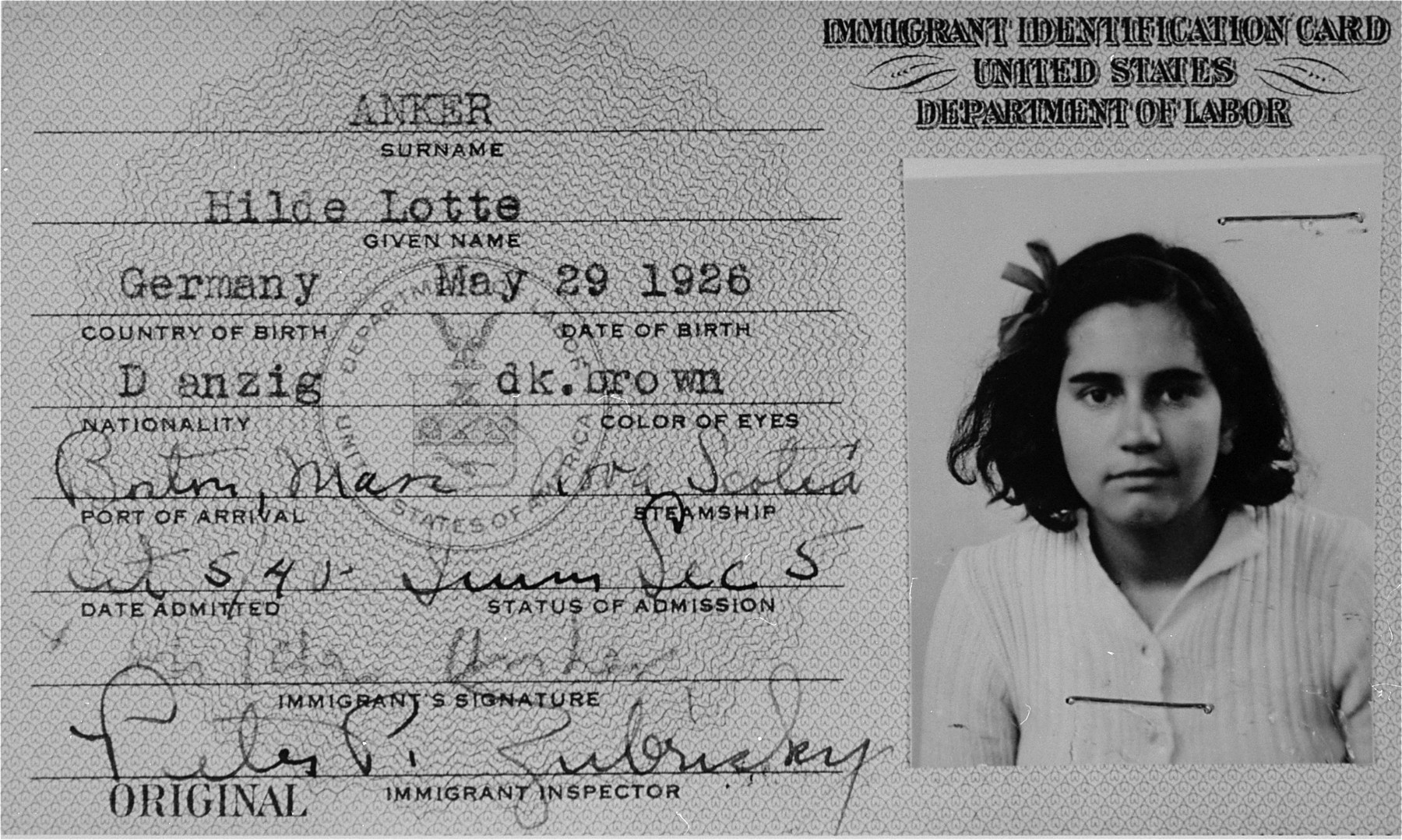Immigrant identification card issued to the German Jewish refugee child, Hilde Anker, upon her arrival in Boston in October 1940.