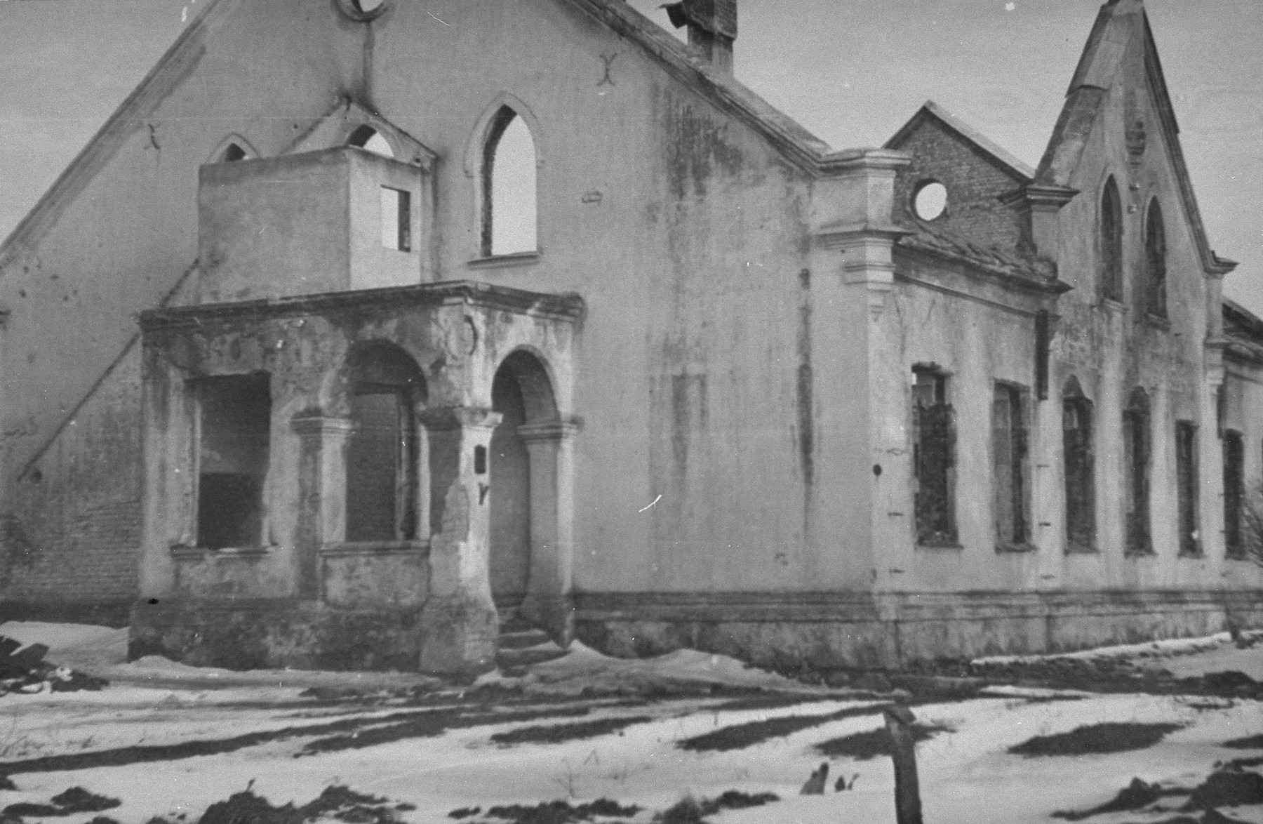 Destroyed synagogue in Kovno.