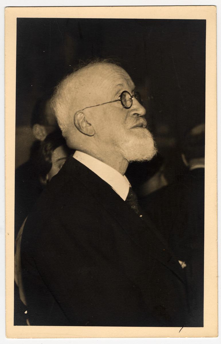 Close-up photograph of German-Jewish leader, Julius Brodnitz.