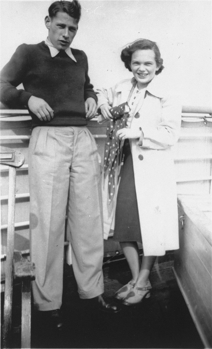 Ilse Karliner and Fritz Buff pose on the deck of the MS St. Louis.