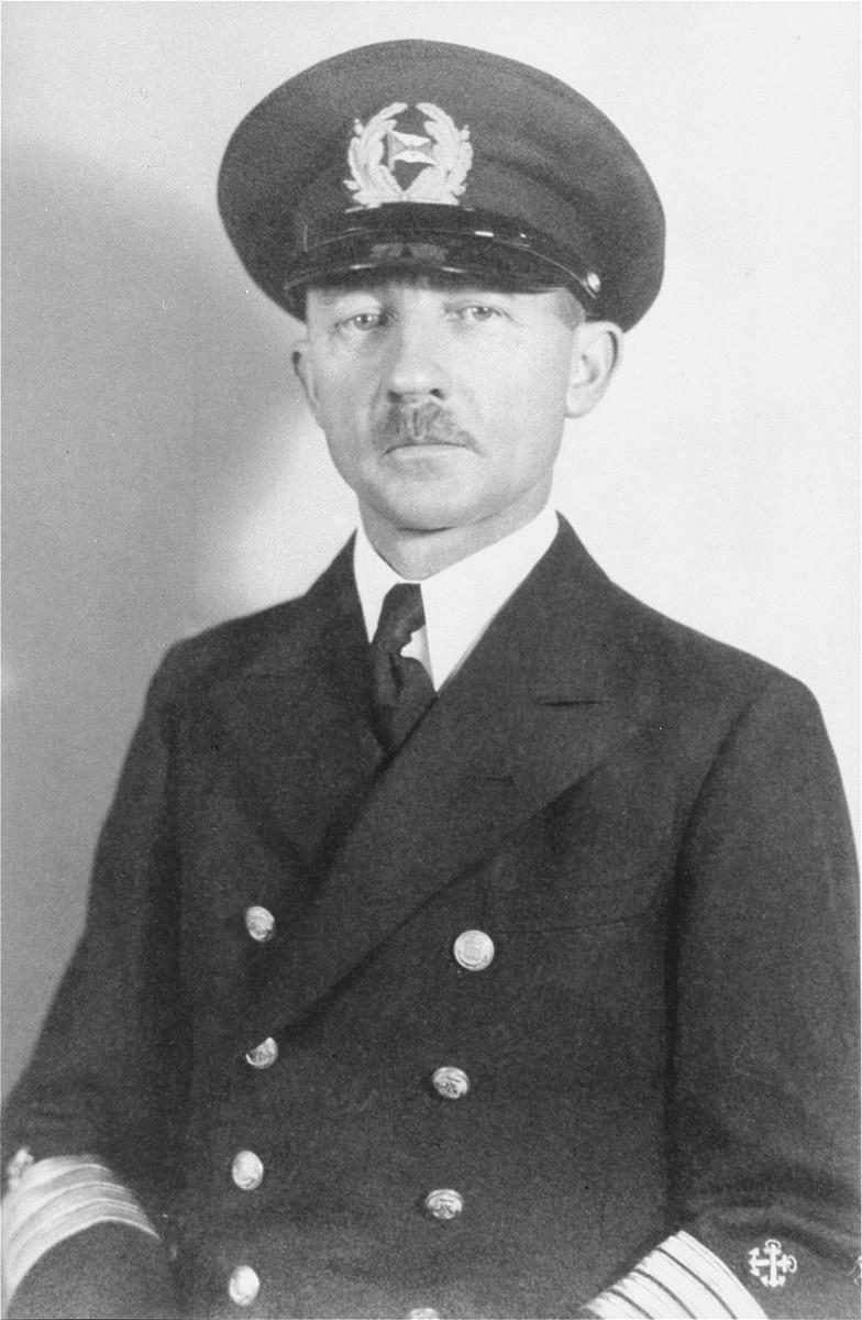 Portrait of Gustav Schroeder, captain of the MS St. Louis.
