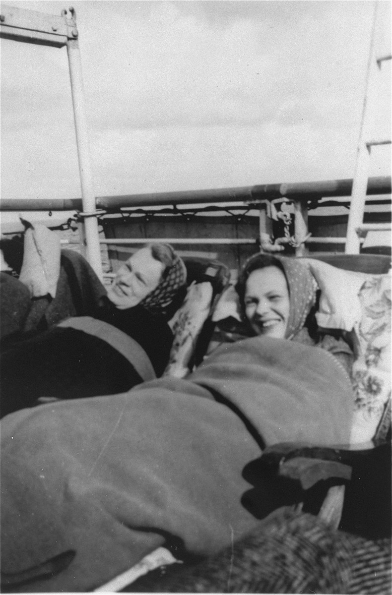 Martha Karliner (left) and her daughter, Ilse, recline on deck chairs on the MS St. Louis.
