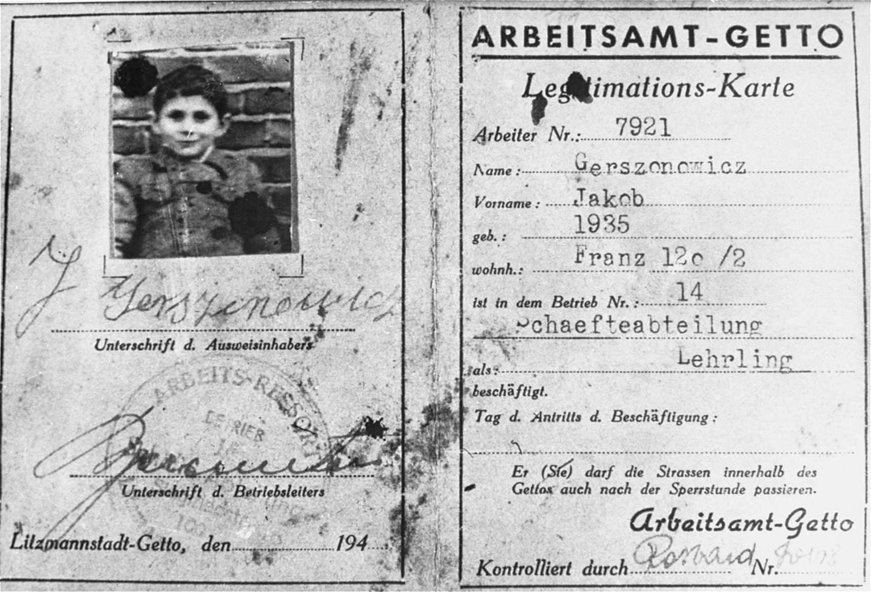 A work permit issued in the Lodz ghetto to Jakob Gerszonowicz, authorizing him to be an apprentice in the feather resort.