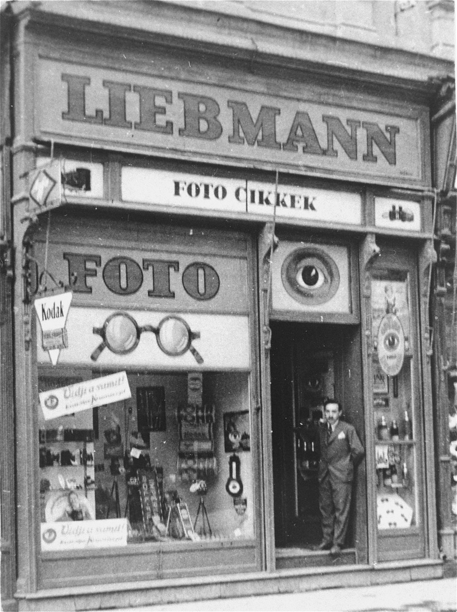 View of the Liebmann optical and photographic supply store in Szeged, Hungary.