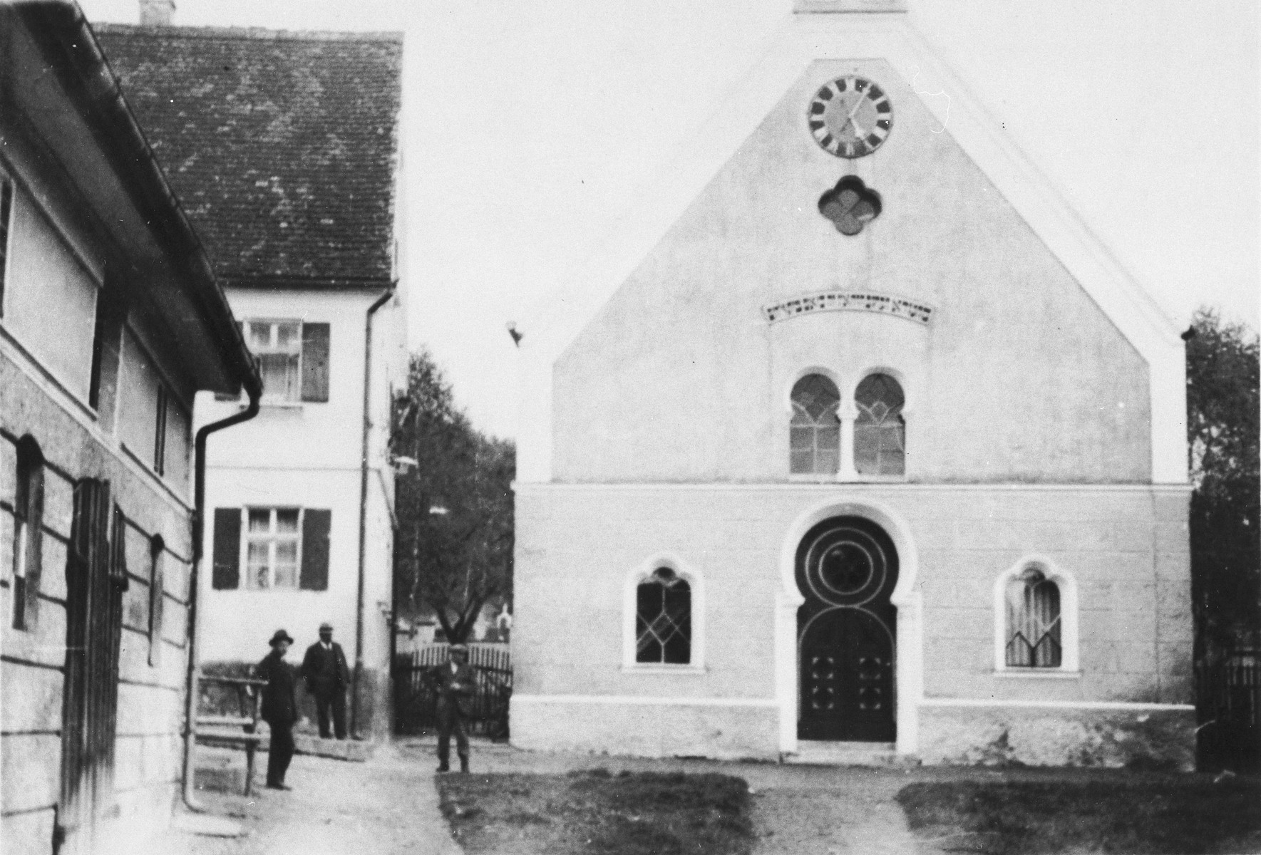 Exterior view of the Buttenwiesen synagogue.  The synagogue in Buttenwiesen was not destroyed during Kristallnacht.  After the war it was converted into a school and later used for other purposes.