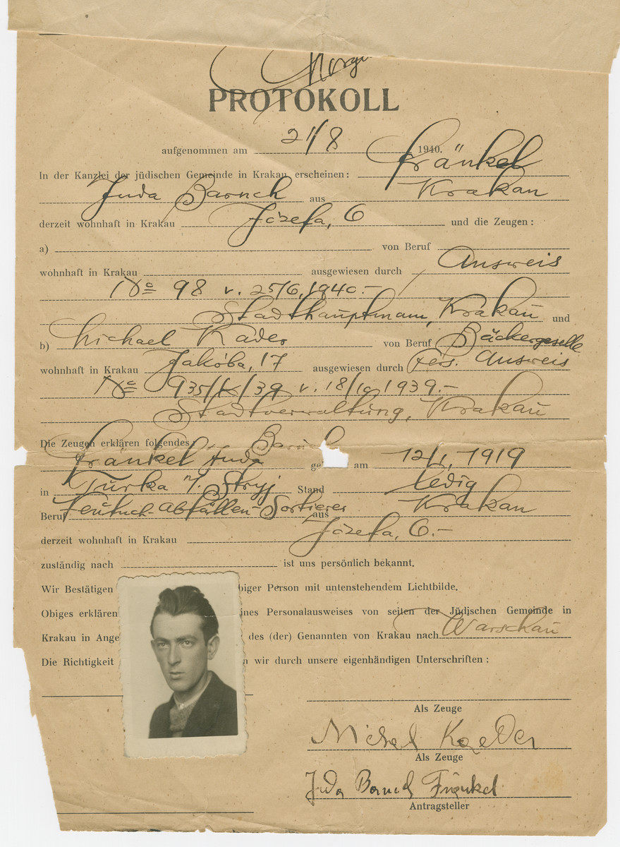 Registration paper issued to Juda Baruch Frankel (donor's father) prior to the establishment of the Krakow ghetto.