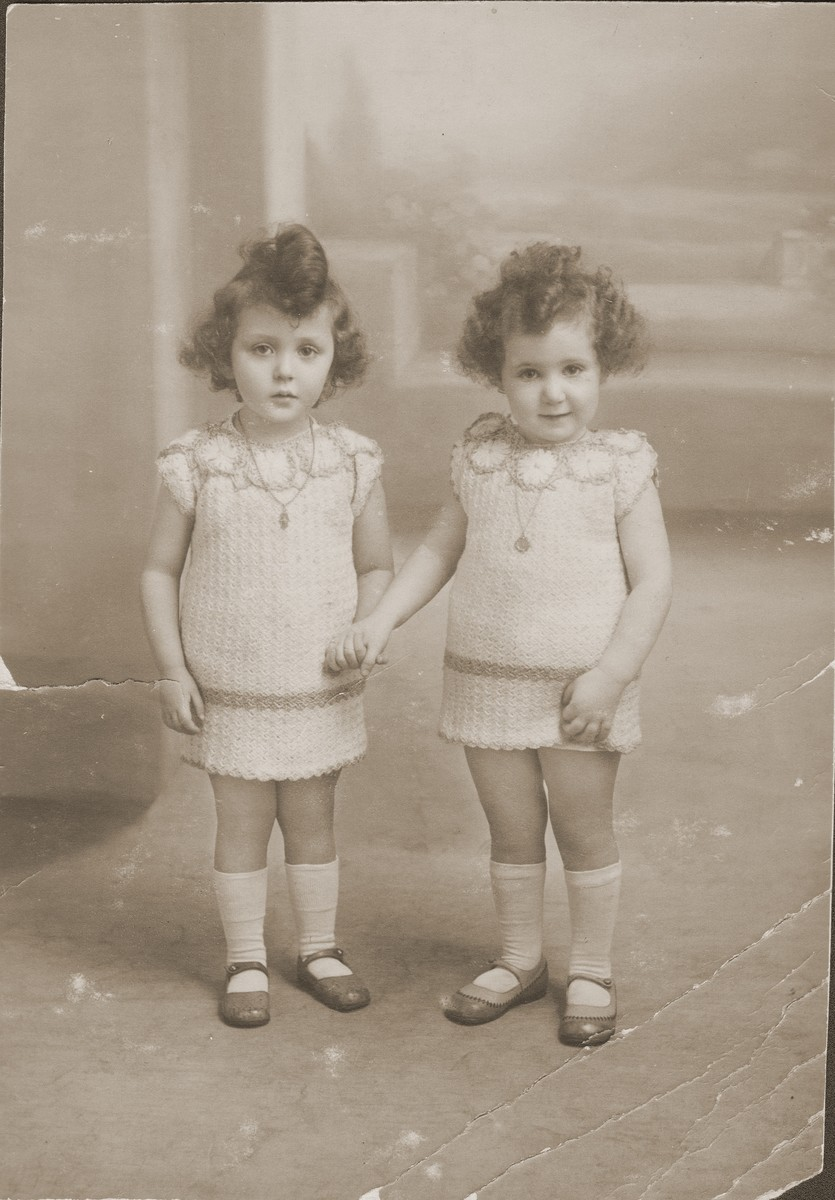 Portrait of two Jewish cousins in France.  Pictured are Dworja Rubinsztejn (left) and her first cousin, Denise Grynberg (right).