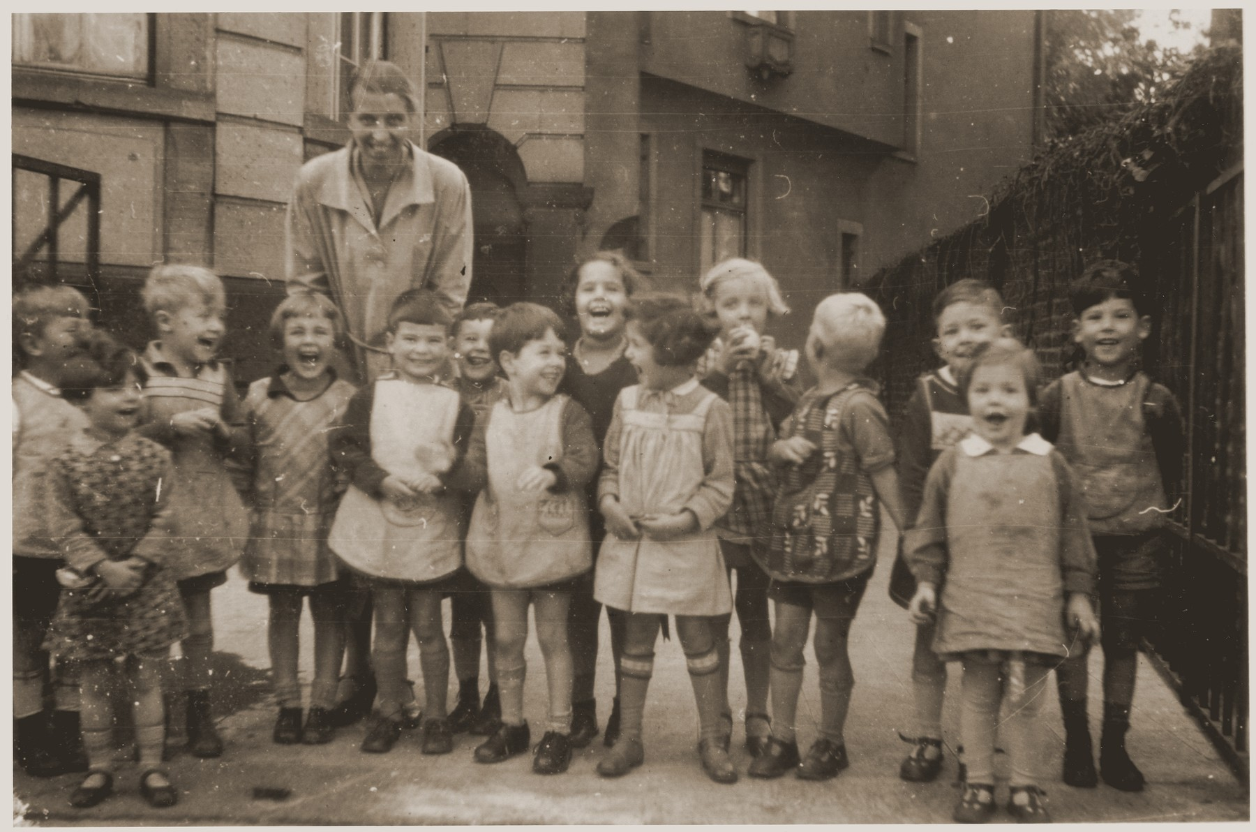 Lore Gotthelf (back row center) with her nursery school class in Frankfurt.  Also pictured is Gunther Alfred Hess (third from right).