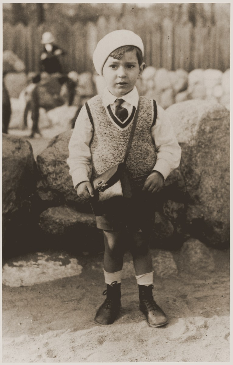 Four-year-old Joseph Schadur at the Berlin zoo.