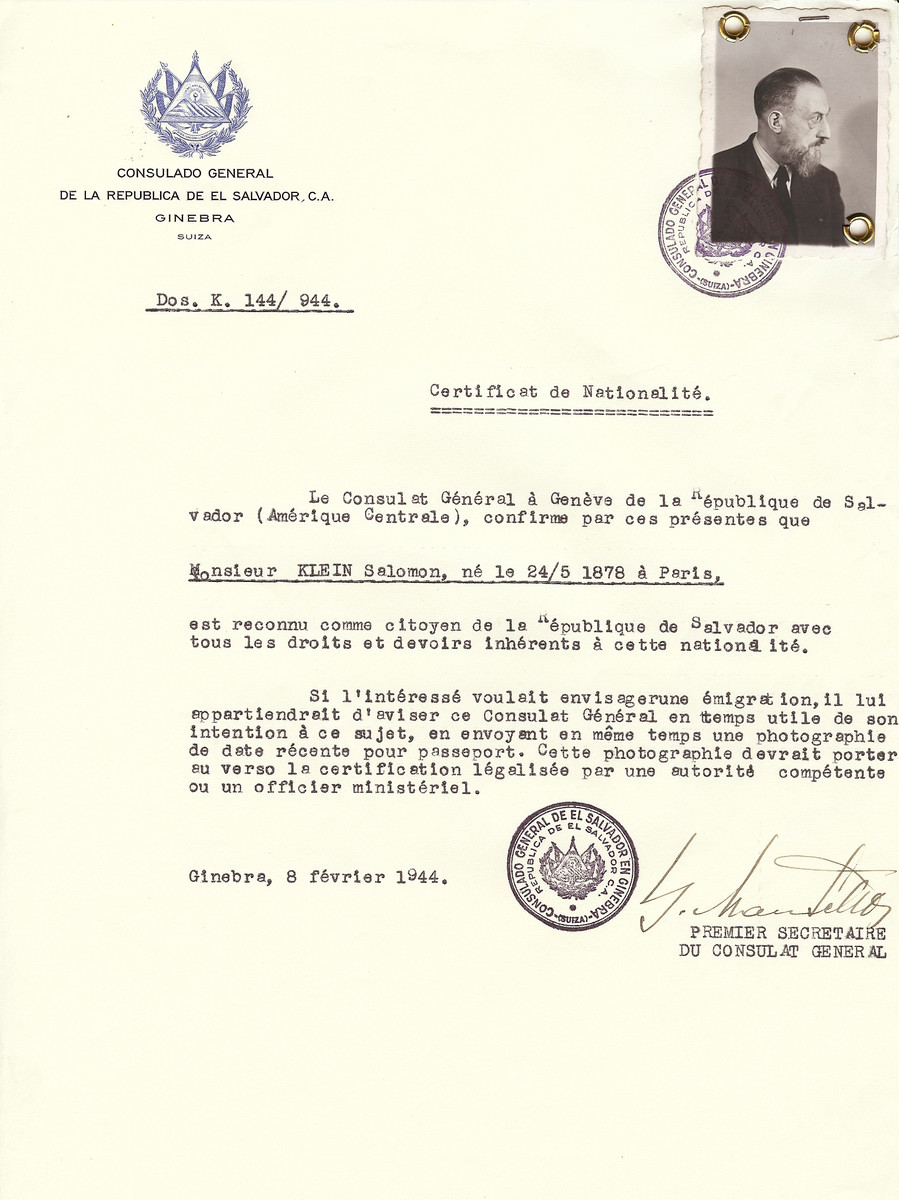 Unauthorized Salvadoran citizenship certificate issued to Salomon Klein (b. May 24, 1878 in Paris), by George Mandel-Mantello, First Secretary of the Salvadoran Consulate in Switzerland.  Salomon Klein is the brother of Alexander Klein (see w/s 86110).  He survived the Holocaust.