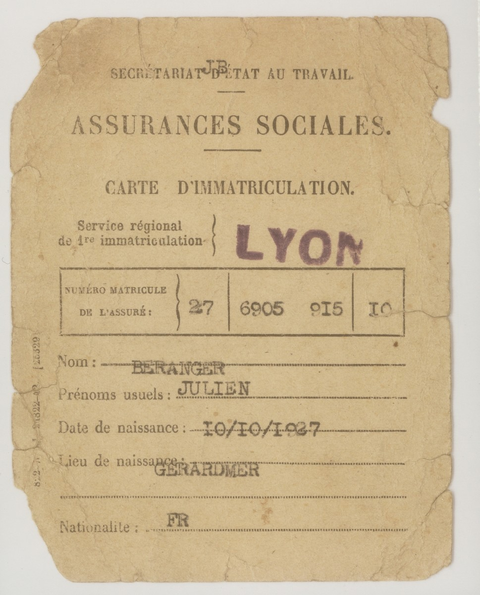 A counterfeit  insurance card issued to Julien Beranger (Julien Bluschtein) by the OSE (Oeuvre de Secours aux Enfants) in January 1942.  Julien used this document to prove his assumed identity as a French agricultural laborer in Treves.