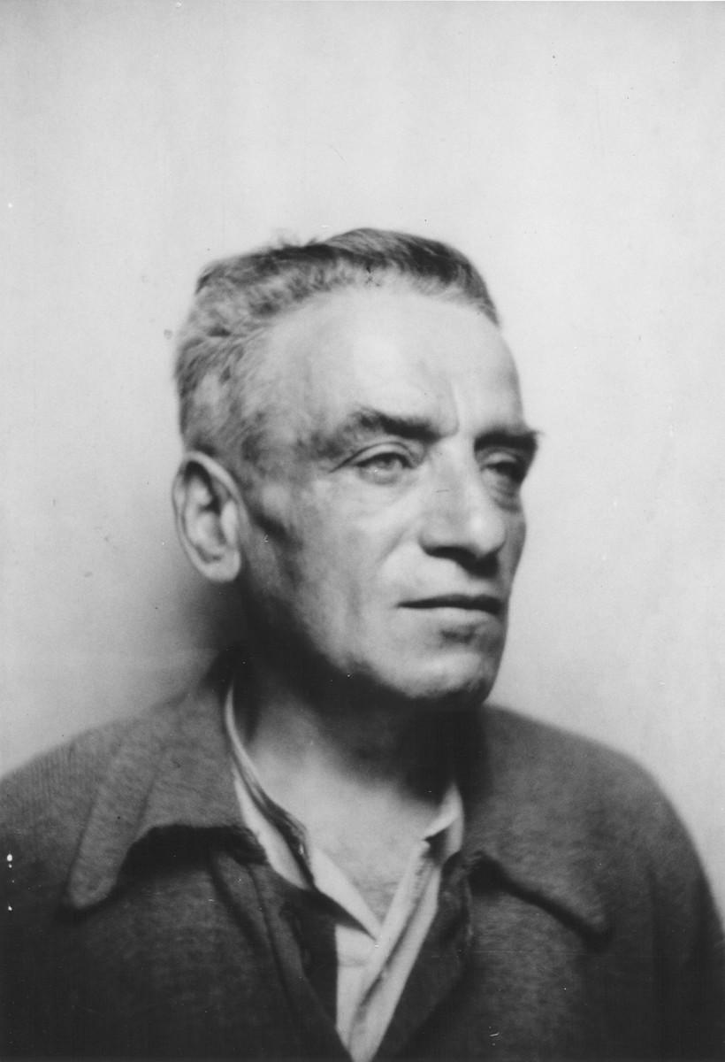 Identification photograph of Ephraim Levenheck taken at the Rivesaltes internment camp.