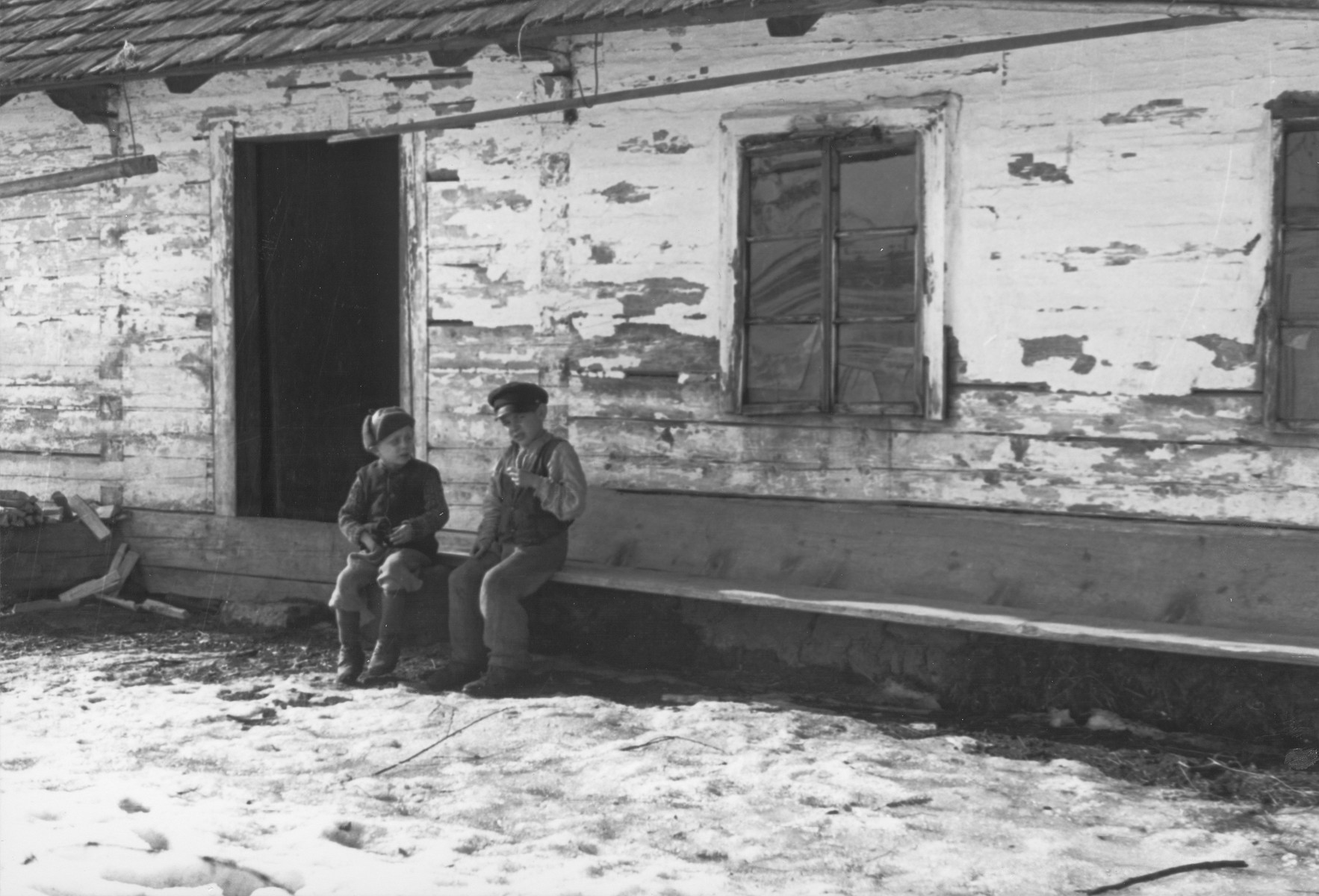 Children photographed by Dr. Feher in Sarospatak just prior to his service in Hungarian-Jewish Labor Company 108/57.