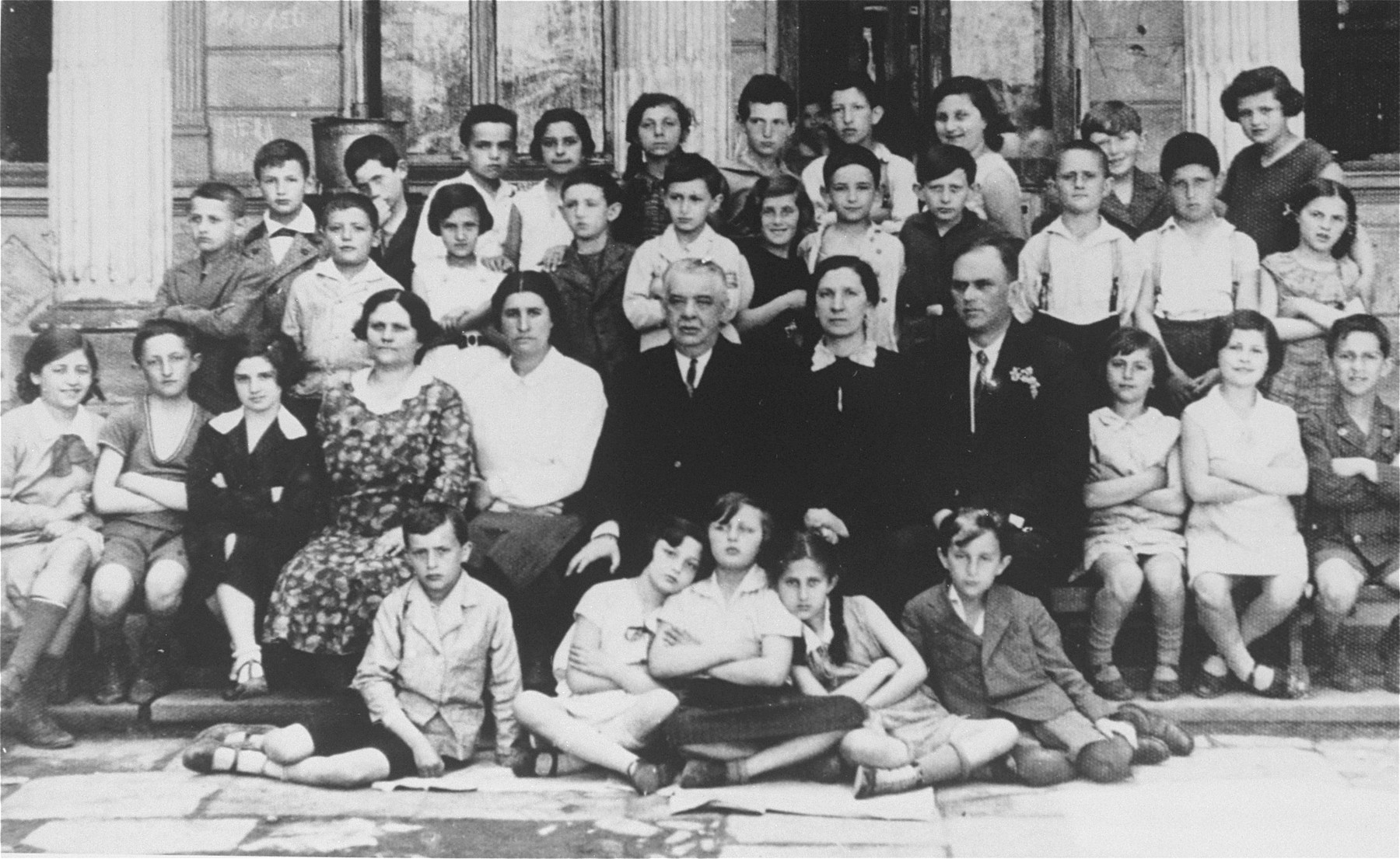 Class portrait of students and teachers at a Jewish primary school in Stanislawow.